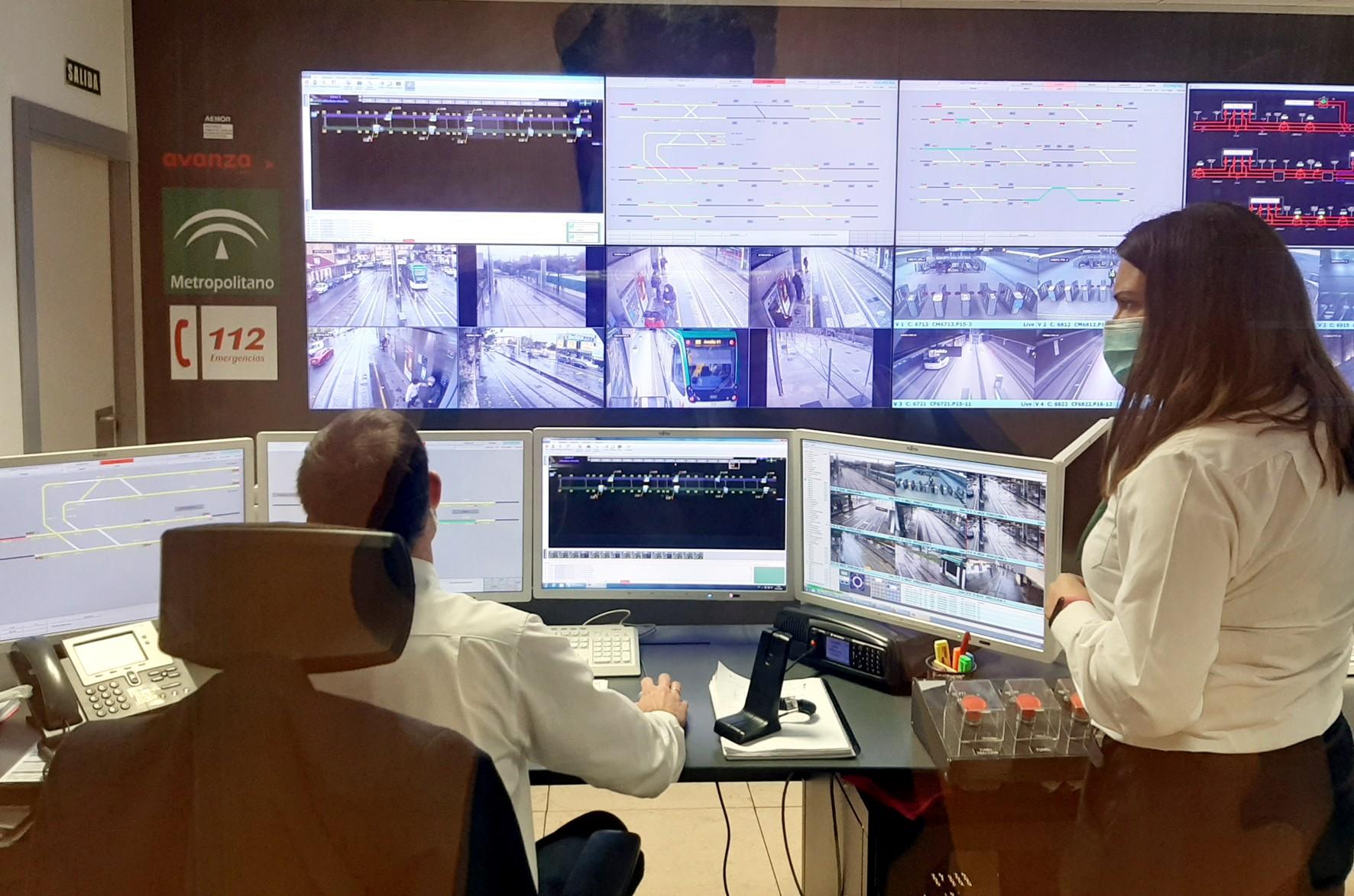 Metro de Granada realiza un simulacro virtual de emergencias en un tramo en superficie
