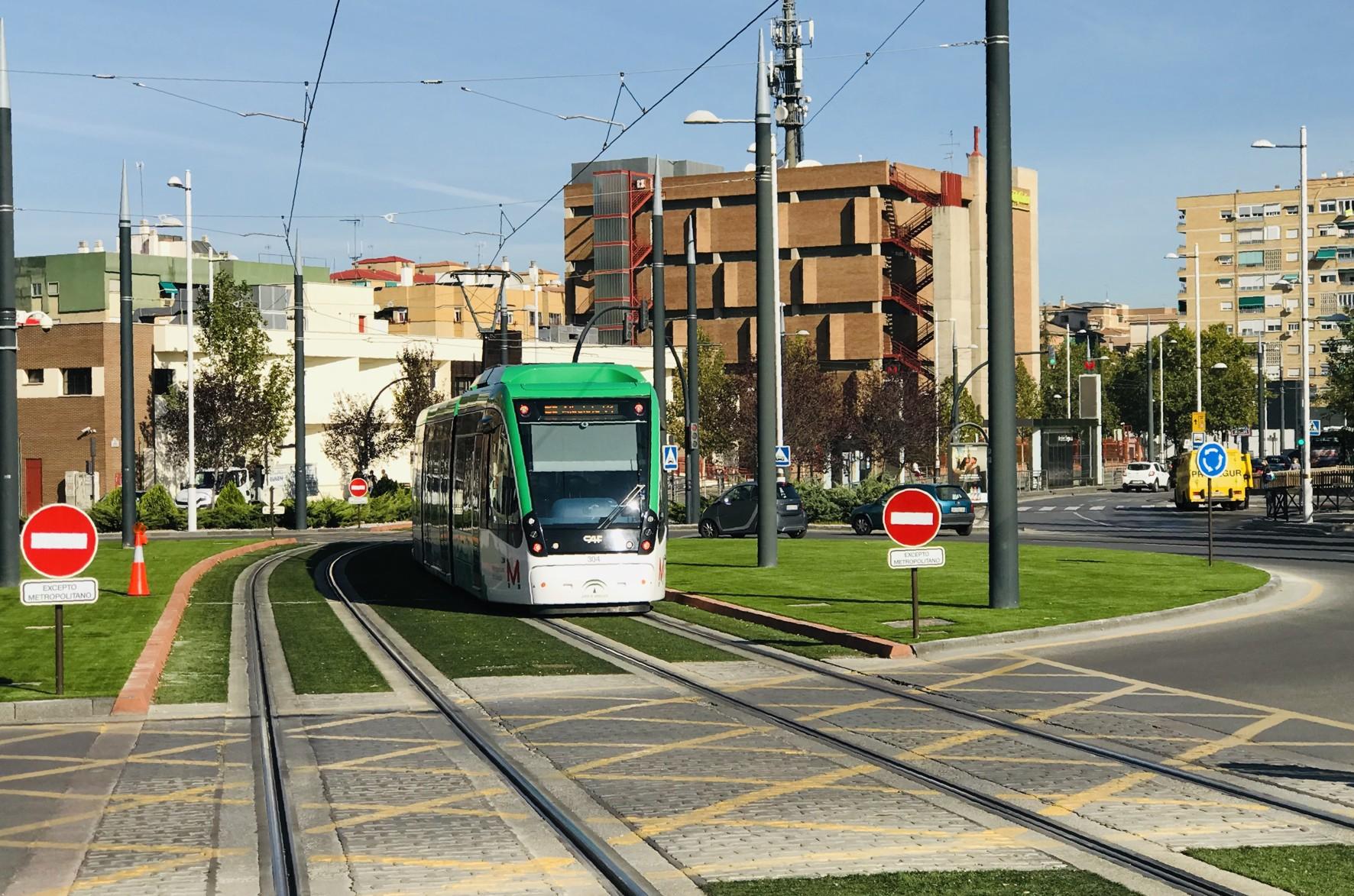 Finalizan las obras de mejora de la seguridad vial en glorietas y cruces del Metro