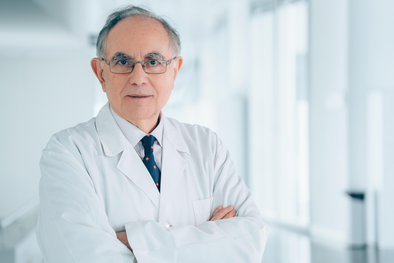 El catedrático de la UGR Antonio Campos, nuevo vicepresidente de la Real Academia Nacional de Medicina de España