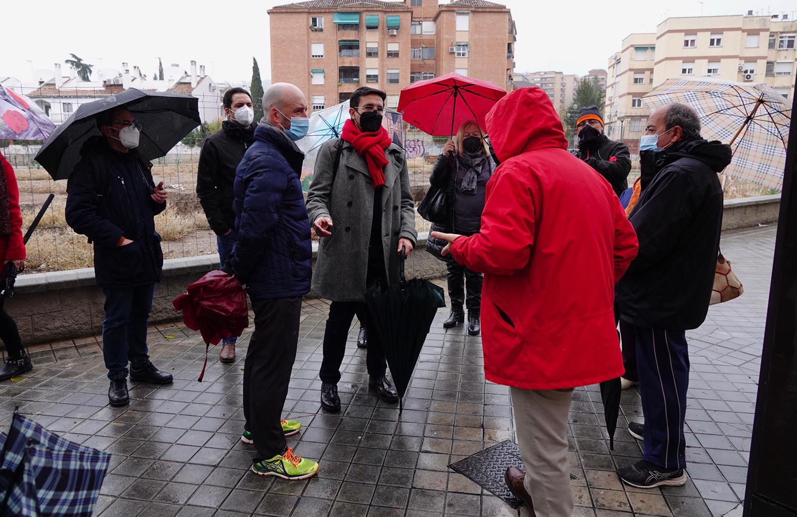 Vecinos de la calle primavera protestan contra la reforma de plaza Rafael Guillén