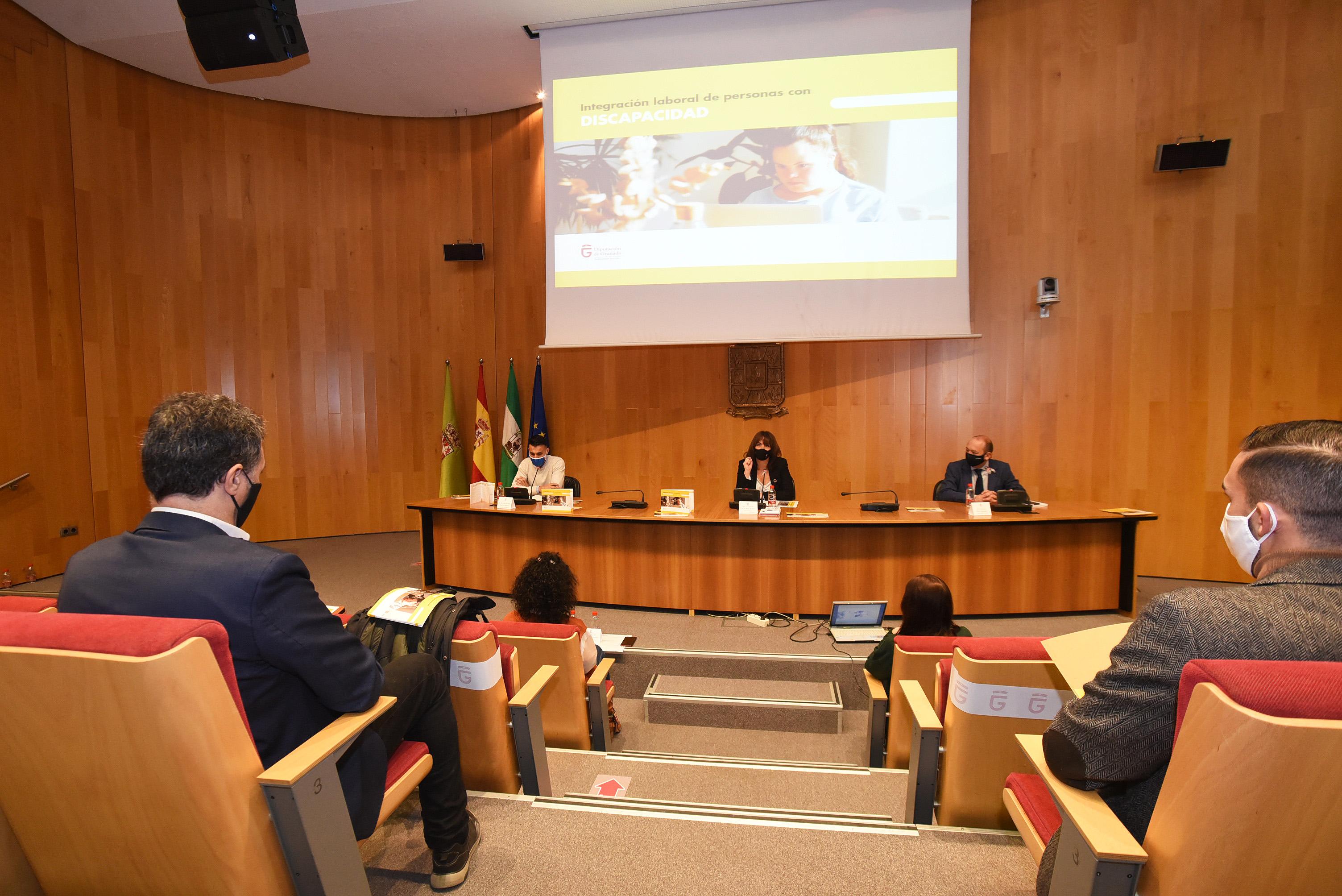 Diputación elabora una guía para que facilitar la integración laboral de las personas con discapacidad
