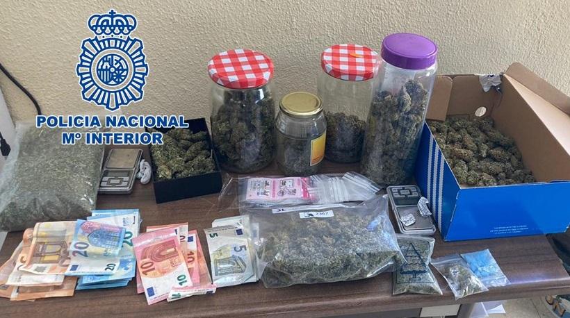 Desmantelan un punto de venta de diferentes clases de droga en un piso de estudiantes