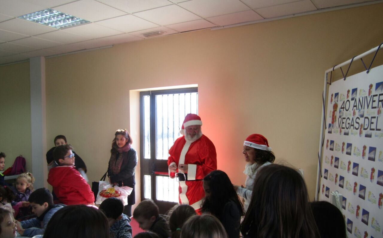 Vegas del Genil organiza una Escuela de Navidad para los niños cuyos padres trabajen en Navidad