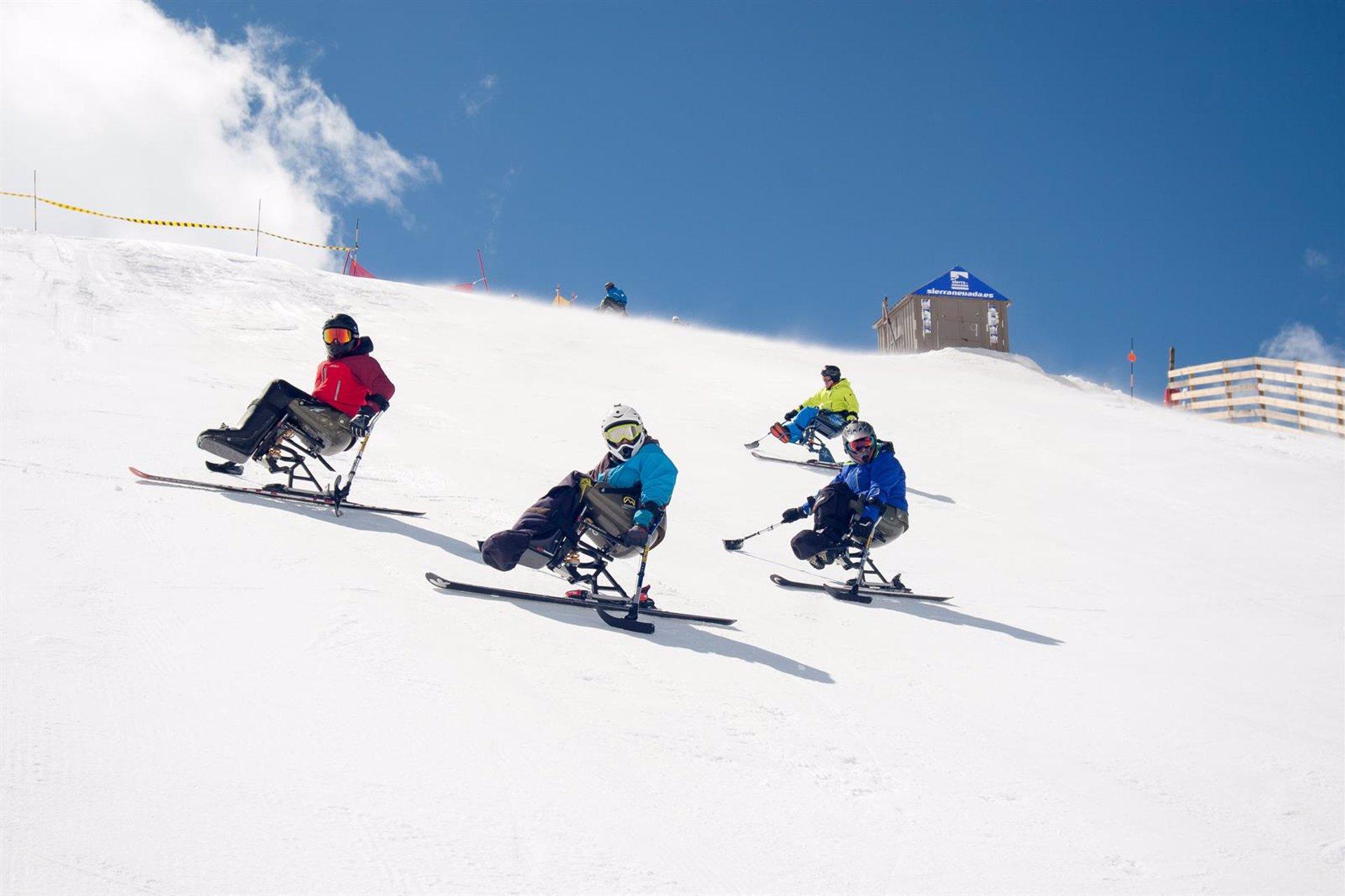 Impulsan el esquí adaptado en la estación de Sierra Nevada