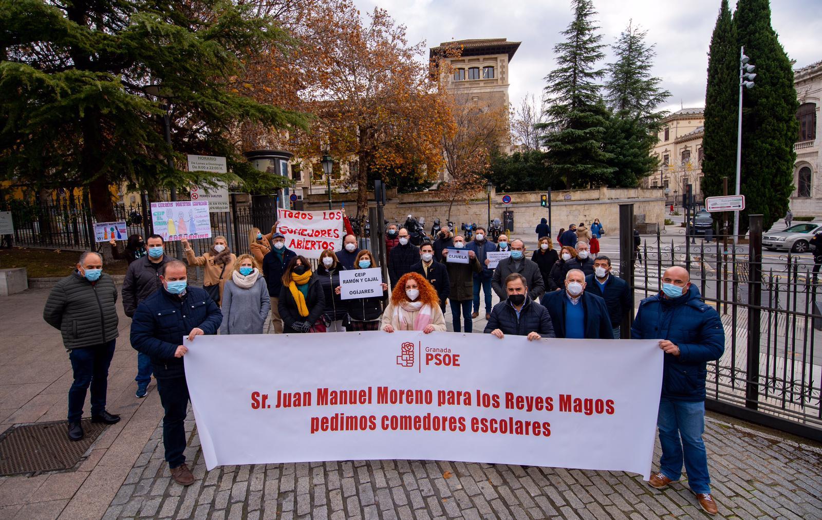 Alcaldes y portavoces socialistas exigen a Moreno Bonilla una solución para los comedores de 54 colegios
