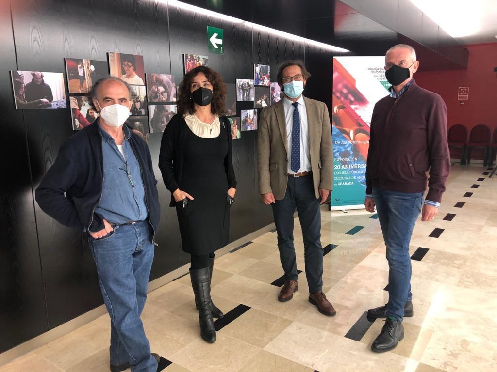 La EPFC abre la exposición fotográfica conmemorativa de sus veinte años en el Teatro Alhambra