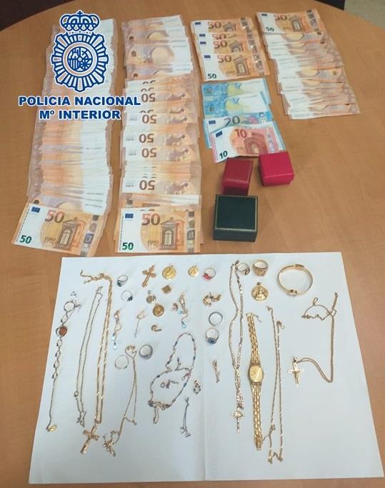 Detienen por otro robo a la asistenta que sustrajo joyas por valor de más de 50.000 euros al matrimonio que cuidaba