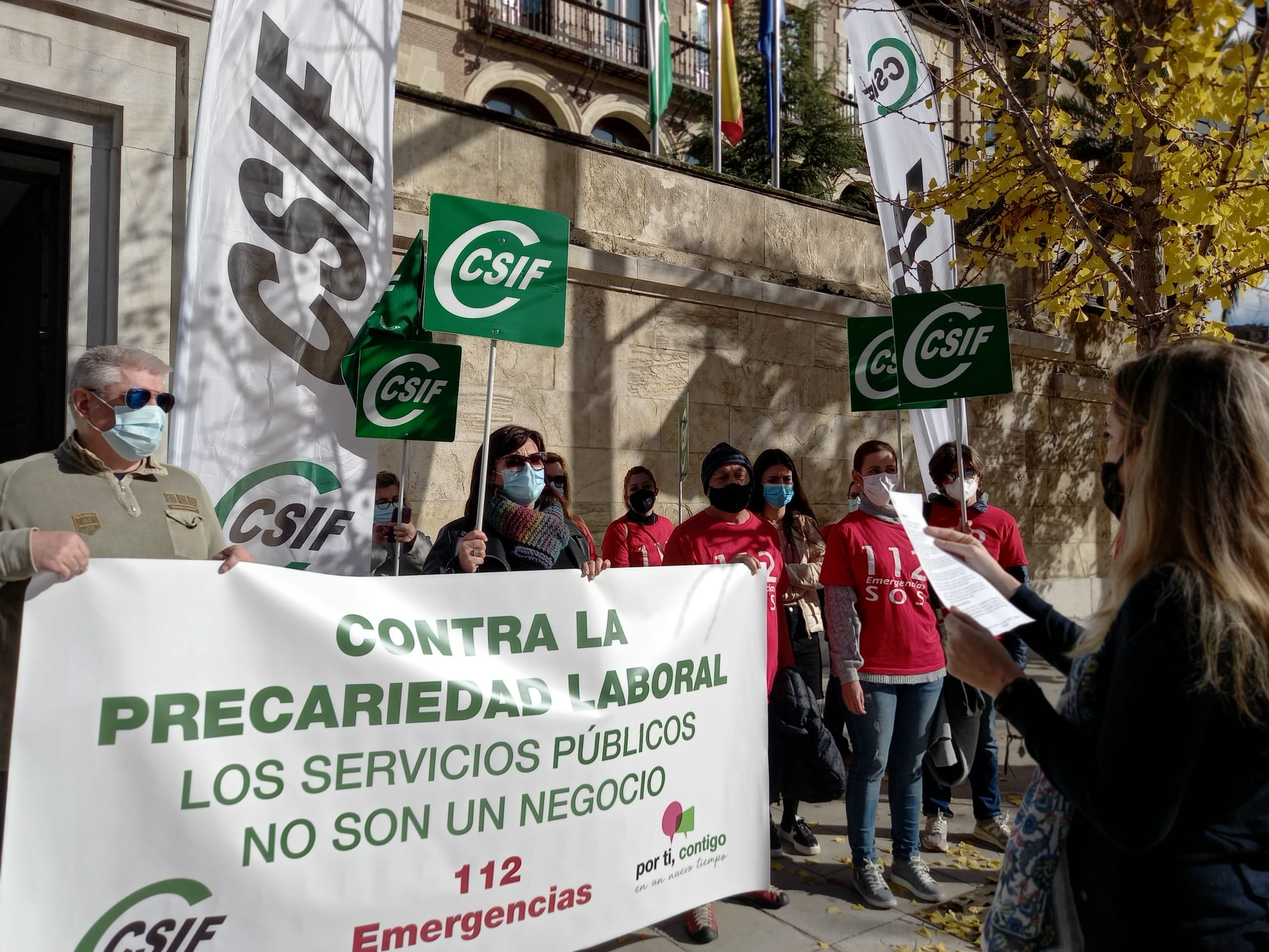 CSIF protesta contra la precariedad que sufren los trabajadores del servicio de emergencias 112
