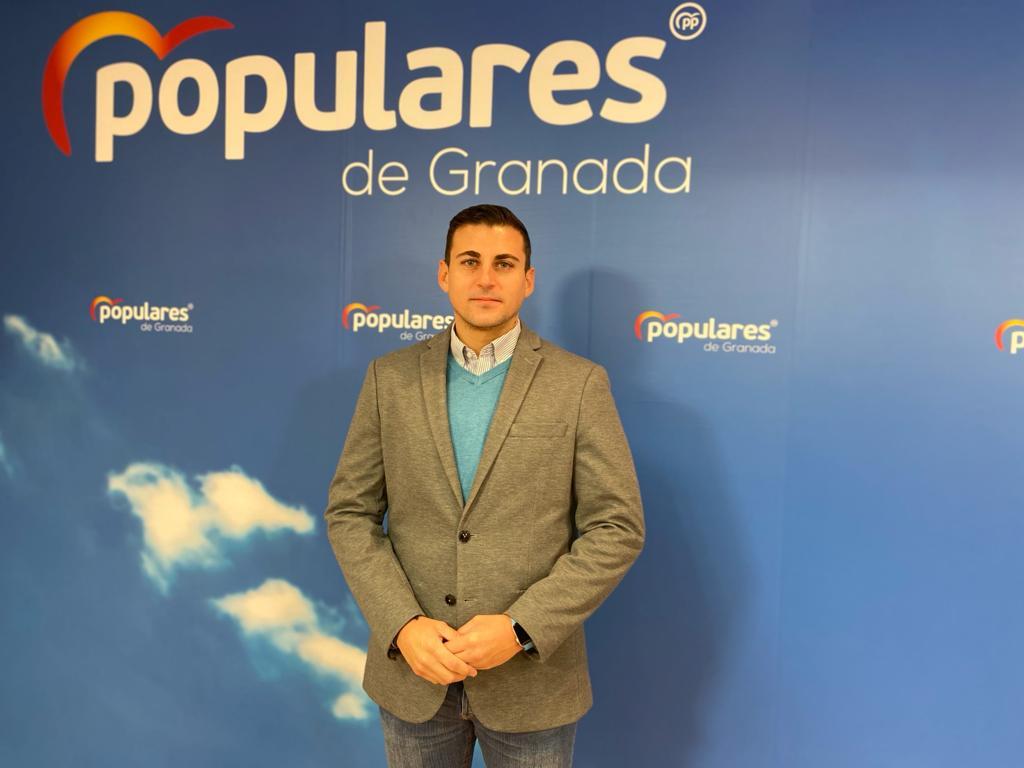 El PP de Granada y Nuevas Generaciones organizan una recogida solidaria de juguetes y alimentos