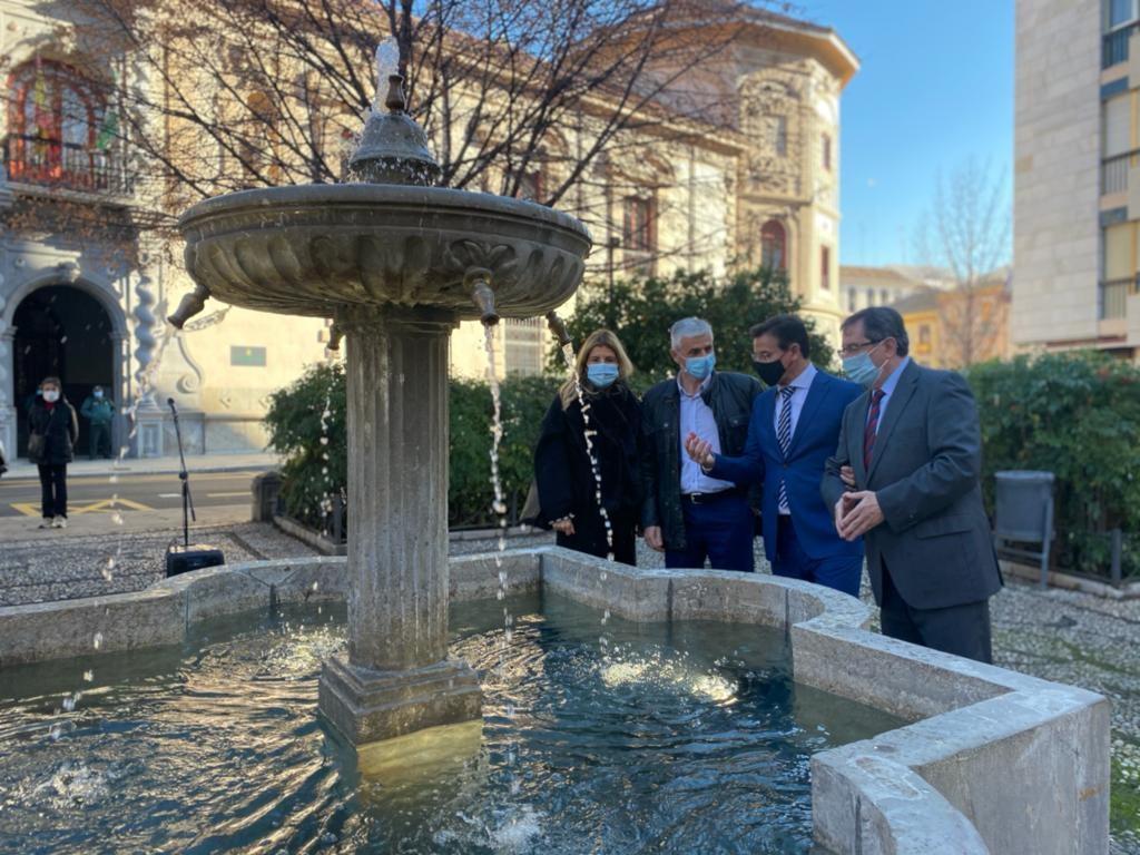 La fuente de Bibataubín vuelve a funcionar tras 30 años averiada