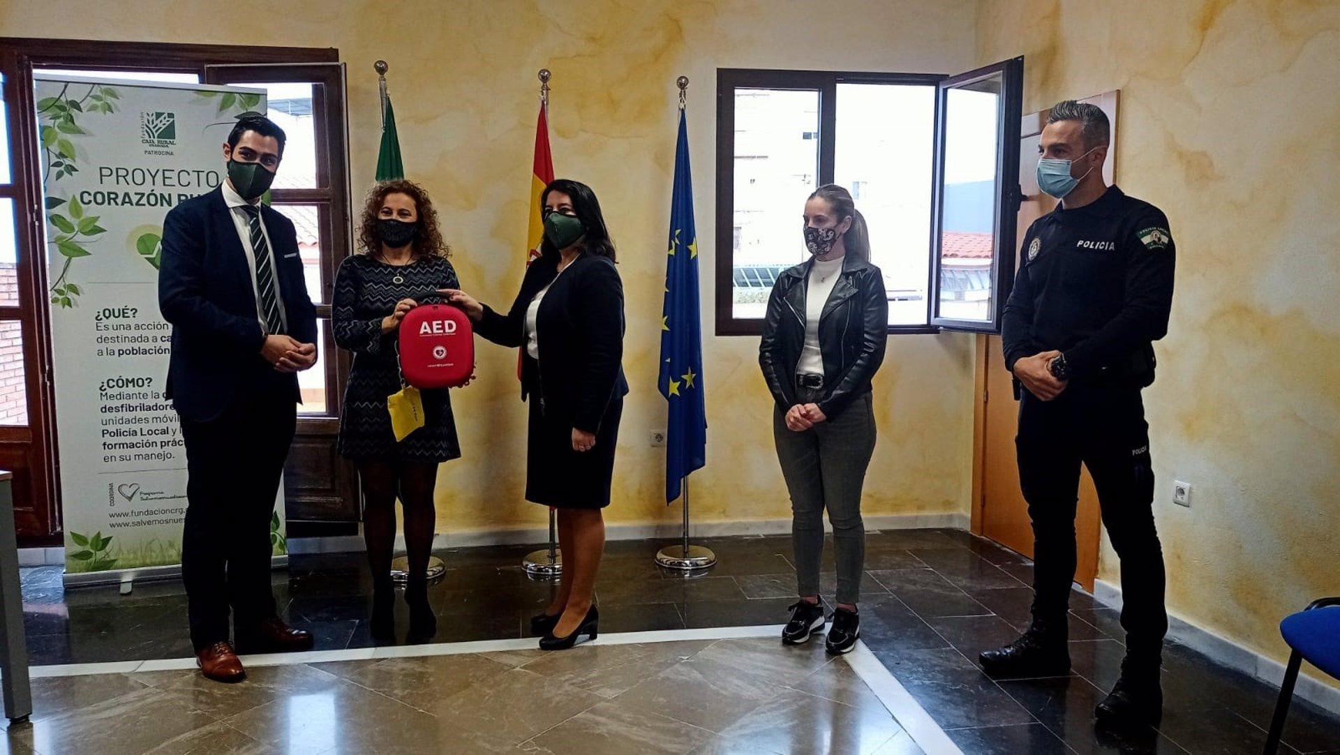 El proyecto de cardioprotección patrocinado por Caja Rural llega a Otívar y Molvízar