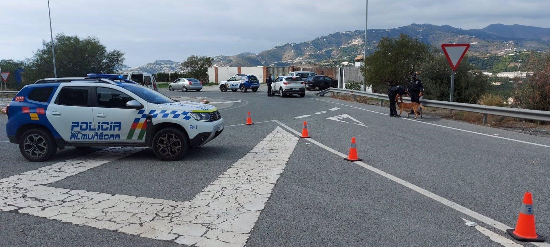 La Policía Local de Almuñécar tramita 33 denuncias por saltarse el cierre perimetral desde el viernes