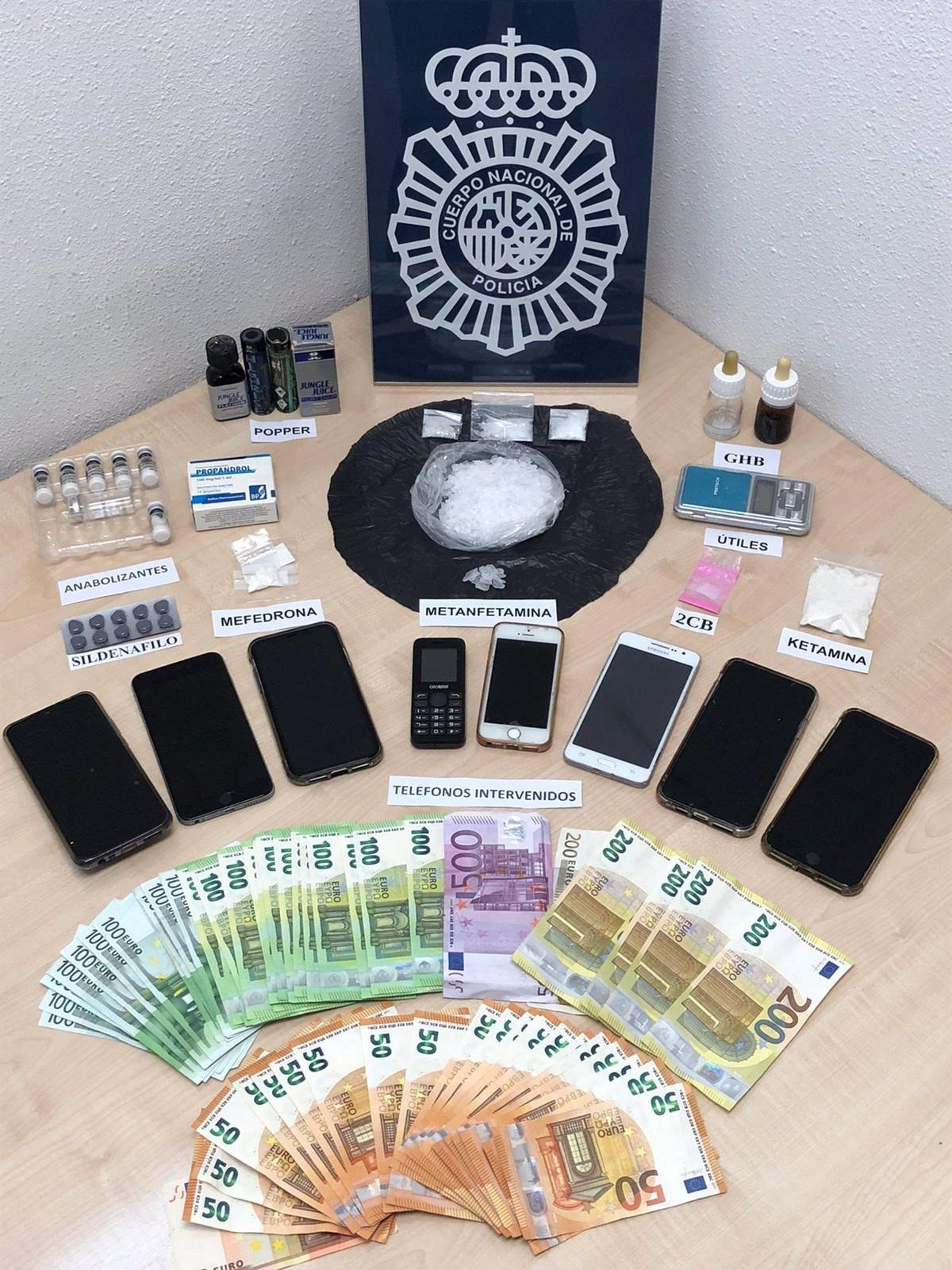 La policía halló en la casa de Rafael Amargo drogas sintéticas, 8 móviles y 6.000 euros en metálico