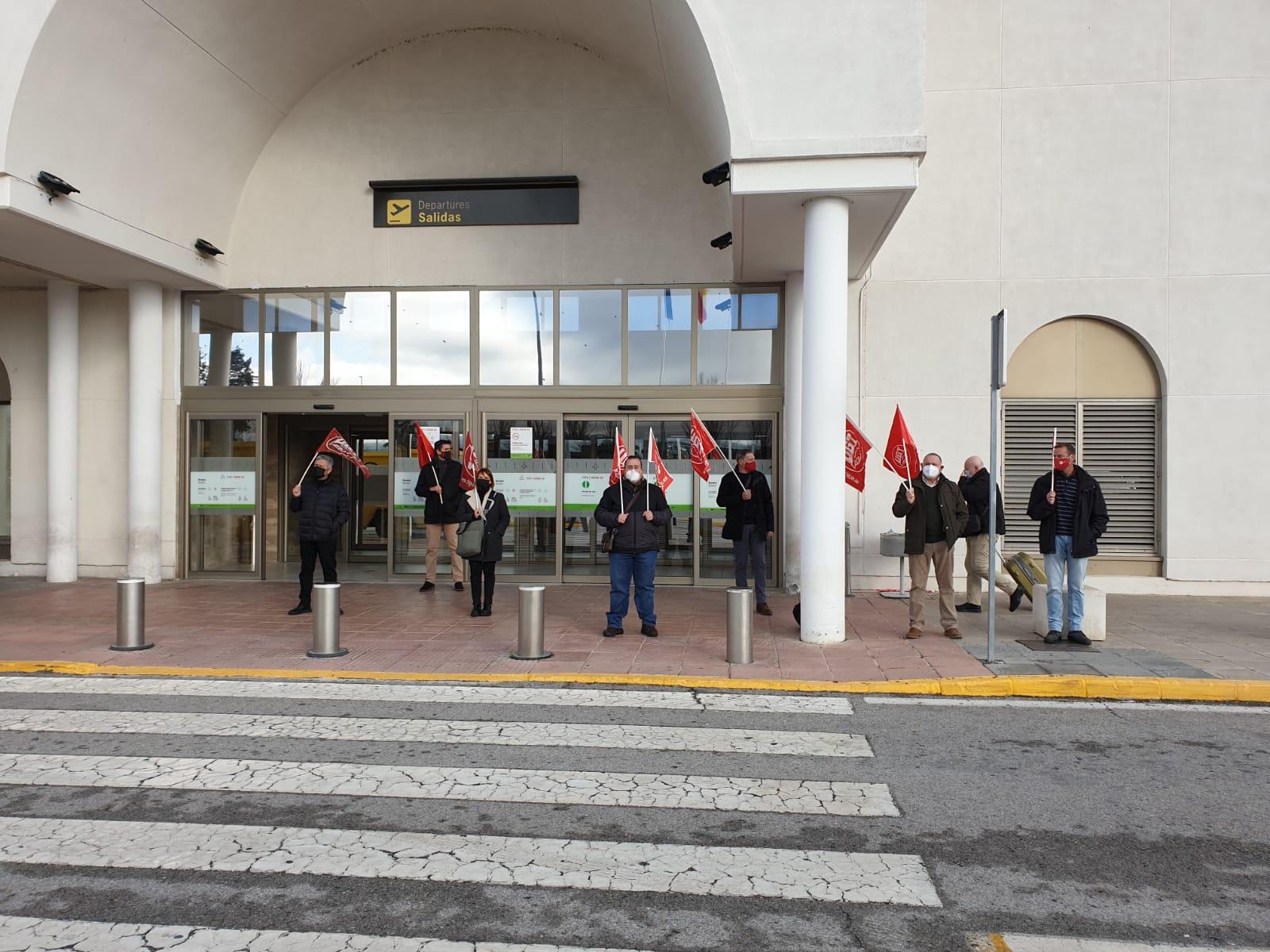 UGT denuncia el despido de los auxiliares de seguridad del Aeropuerto de Granada