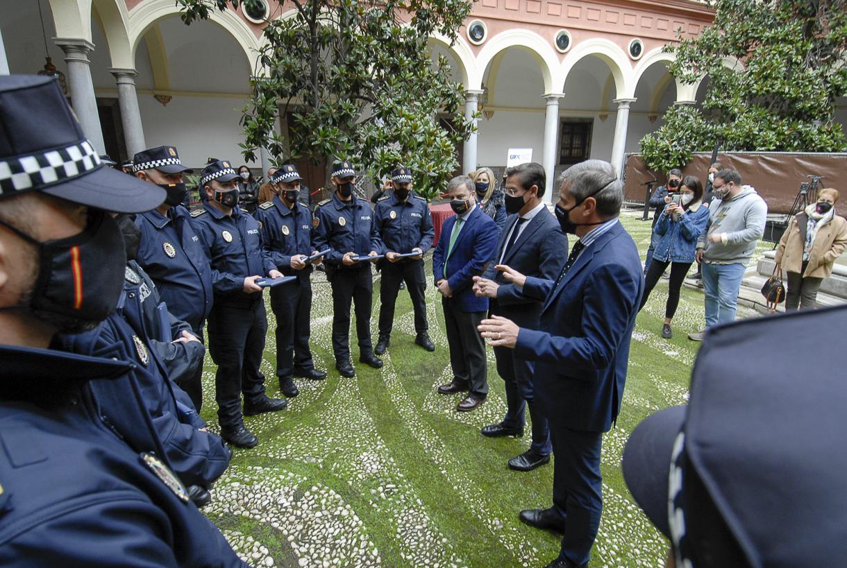 Nueve nuevos agentes se incorporan a la plantilla de la Policía Local de Granada