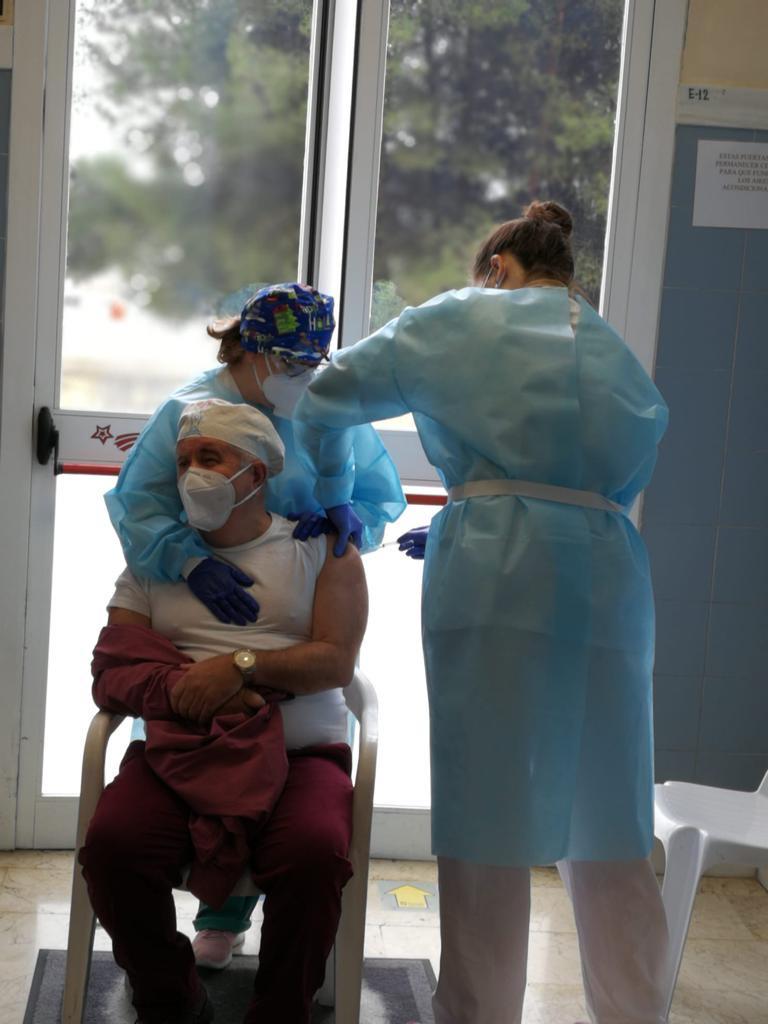 Diputación completa el proceso de vacunación de usuarios y trabajadores en sus centros residenciales