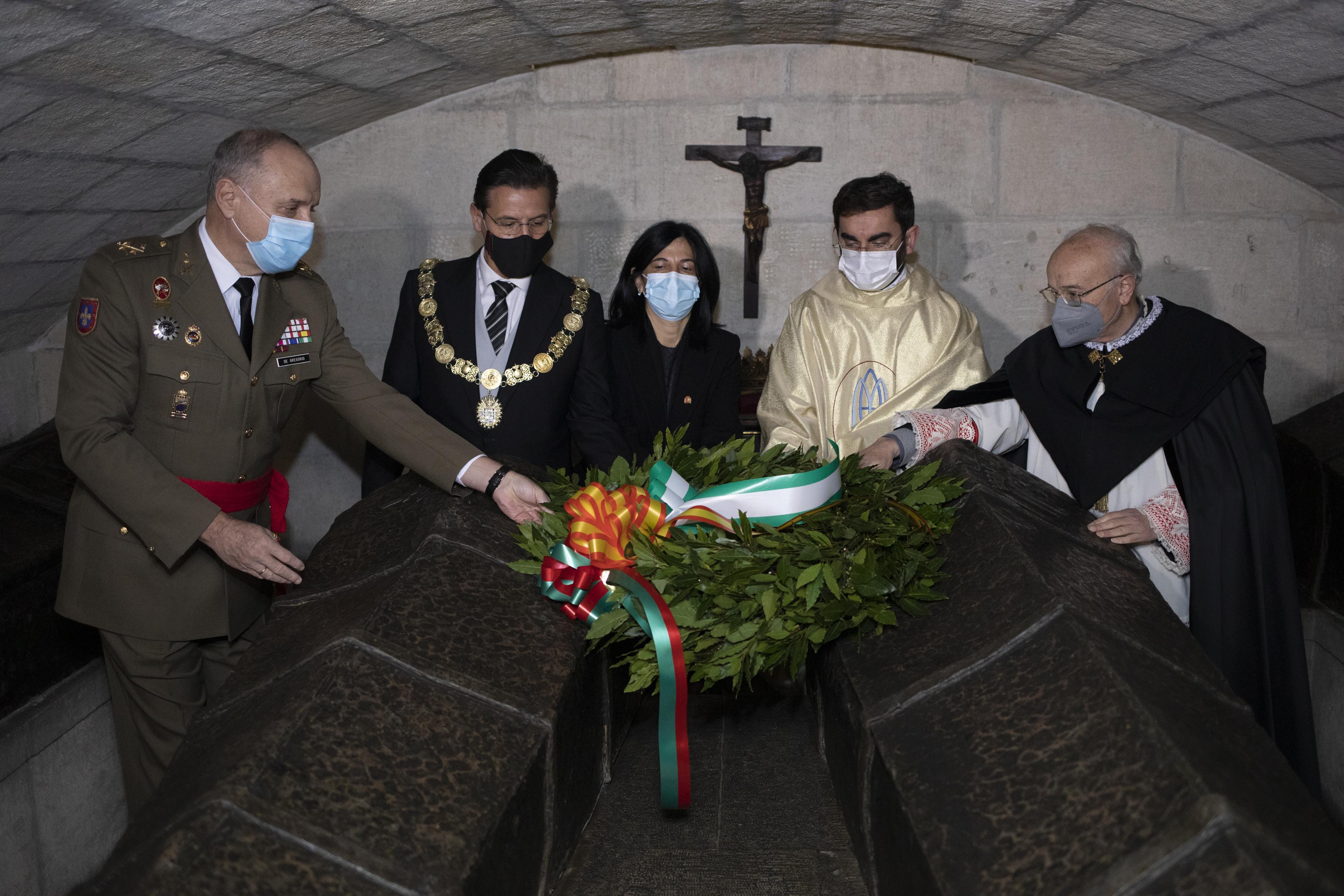La Catedral acoge la celebración de la Toma, este año con aforo reducido y sin tremolación desde el Ayuntamiento