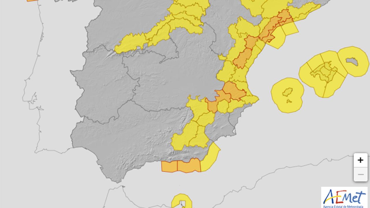 Aviso naranja este lunes en Granada y Almería por fuerte oleaje, y amarillo por rachas de viento
