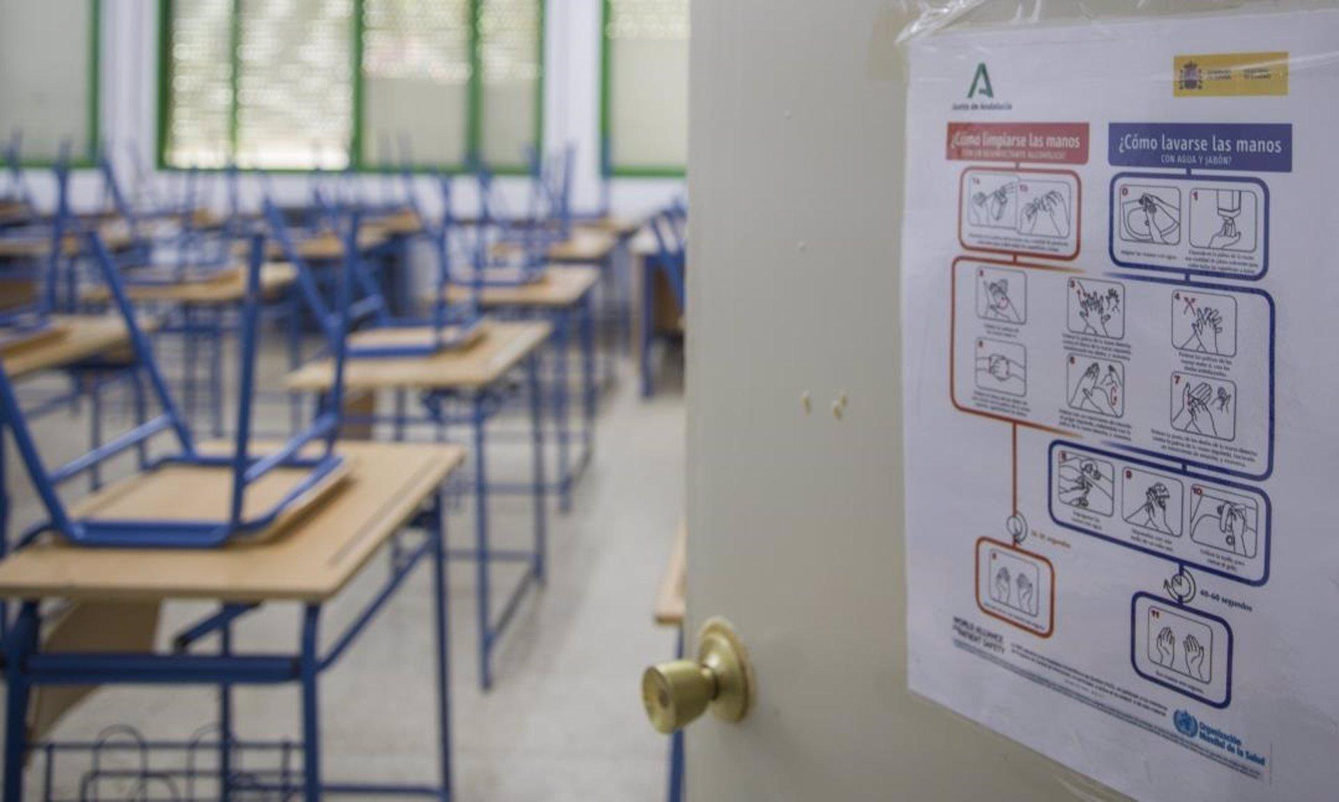 CCOO denuncia que la Junta está notificando la supresión de unidades escolares para el próximo curso
