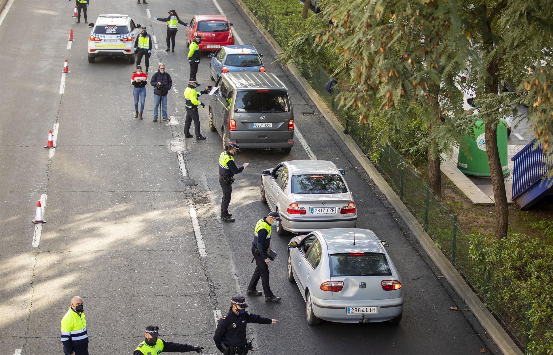Almería cierra actividad no esencial desde el miércoles