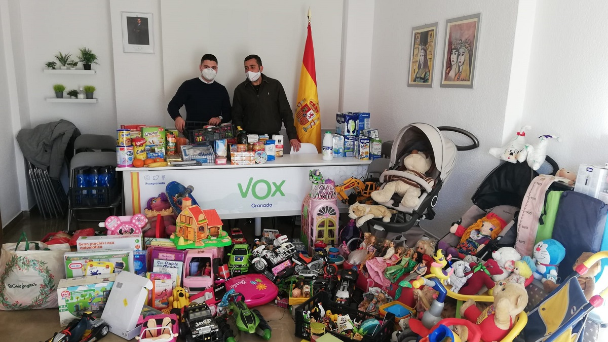 VOX agradece la generosidad de los granadinos que han participado en su 'Campaña de recogida de alimentos y material para bebés'