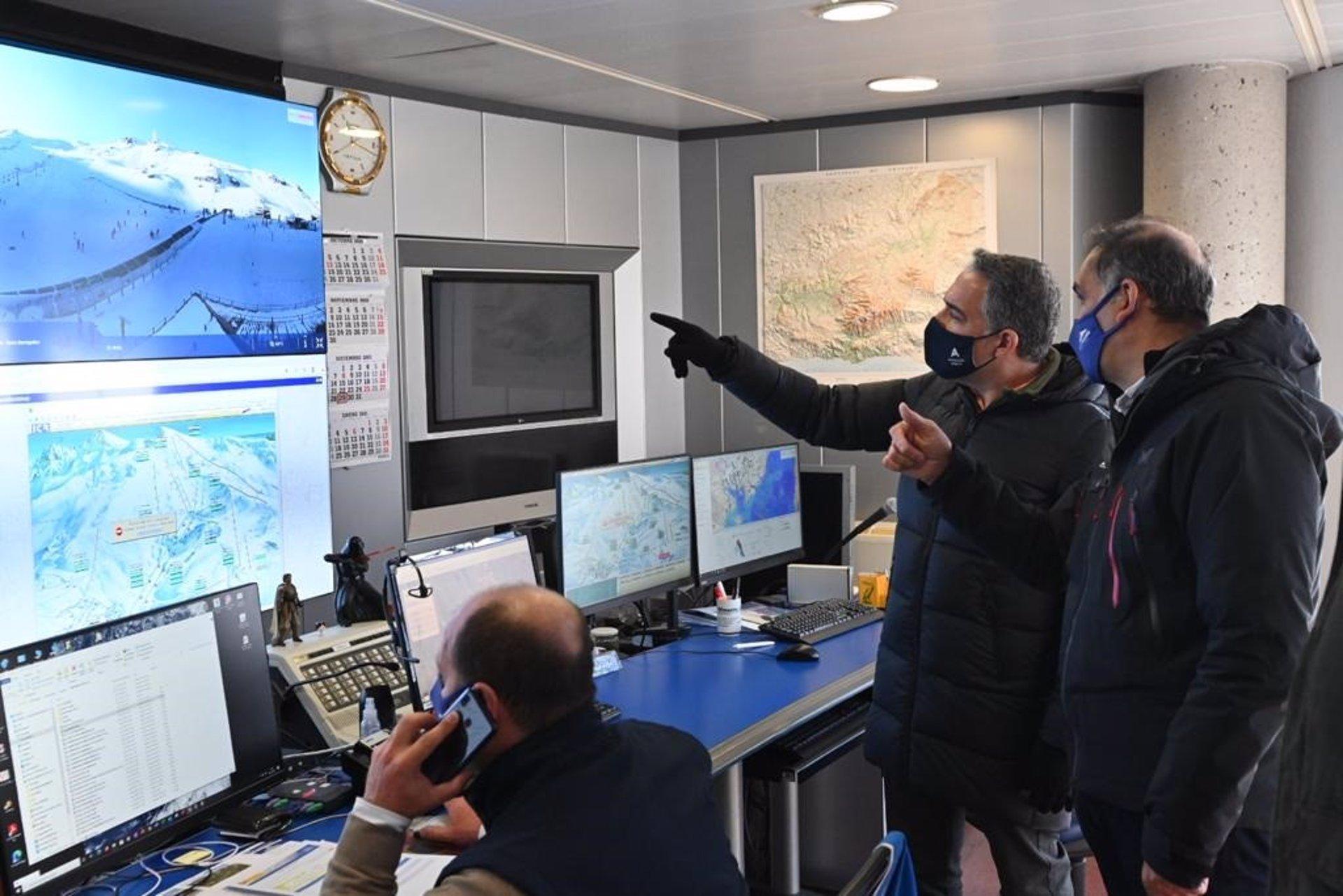 La Unidad de Policía Adscrita a la Comunidad Autónoma establece un dispositivo en Sierra Nevada