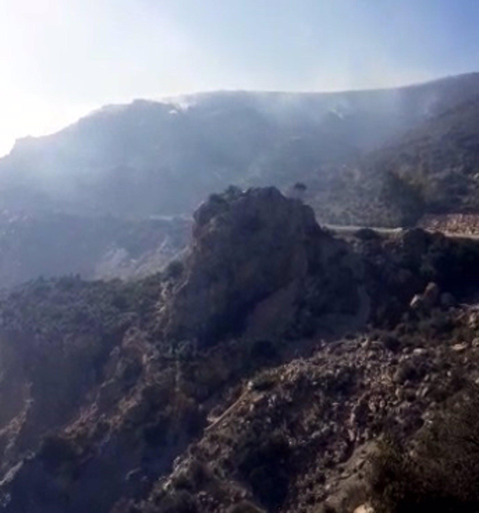 Extinguido un incendio forestal declarado en la tarde del sábado en Gualchos, entre la A-7 y la N-340