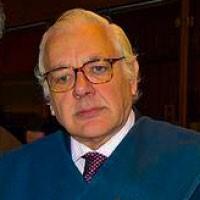 José Luis Pérez-Serrabona González toma posesión como decano de la Facultad de Derecho