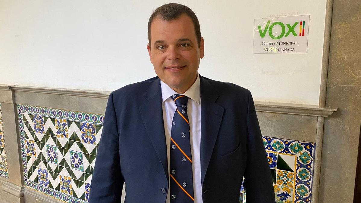 VOX pide a PP y PSOE que estrechen el cerco a Luis Salvador y dejen de cortejarlo para hacerse con la alcaldía de Granada