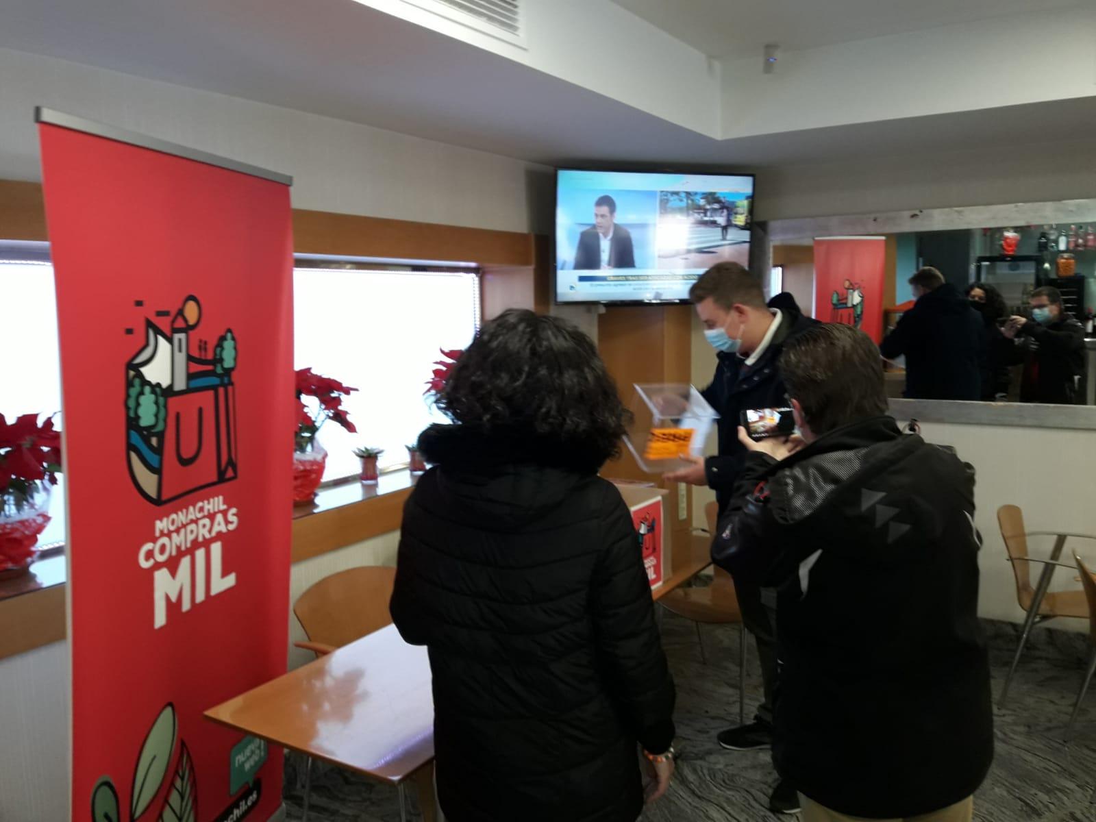 La campaña de bonos de compra del Ayuntamiento inyecta casi 17.000 euros en el comercio local de Monachil