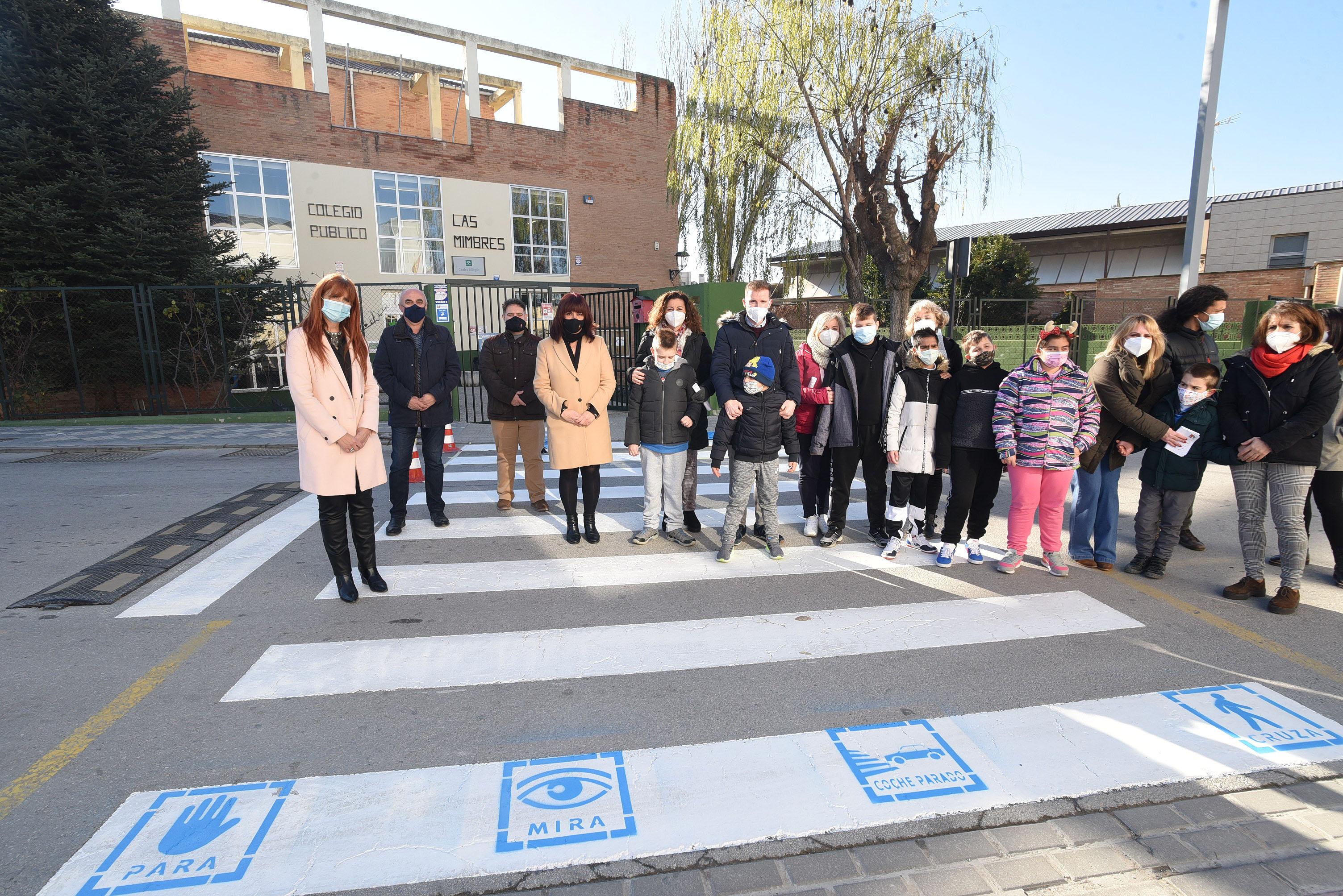 Diputación adapta los pasos de peatones a personas con trastorno del espectro autista
