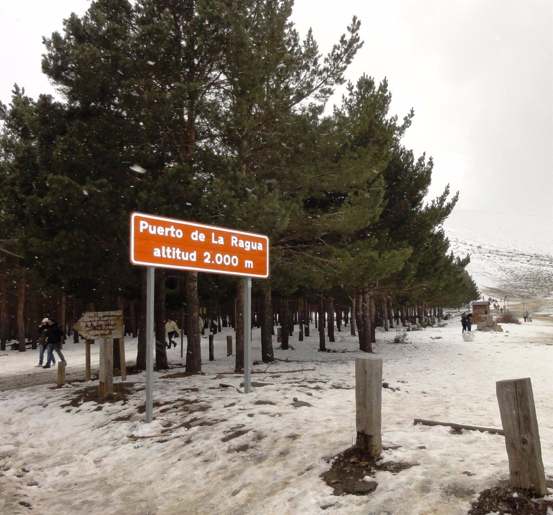 Abierto al tráfico el puerto de la Ragua tras la retirada de la nieve