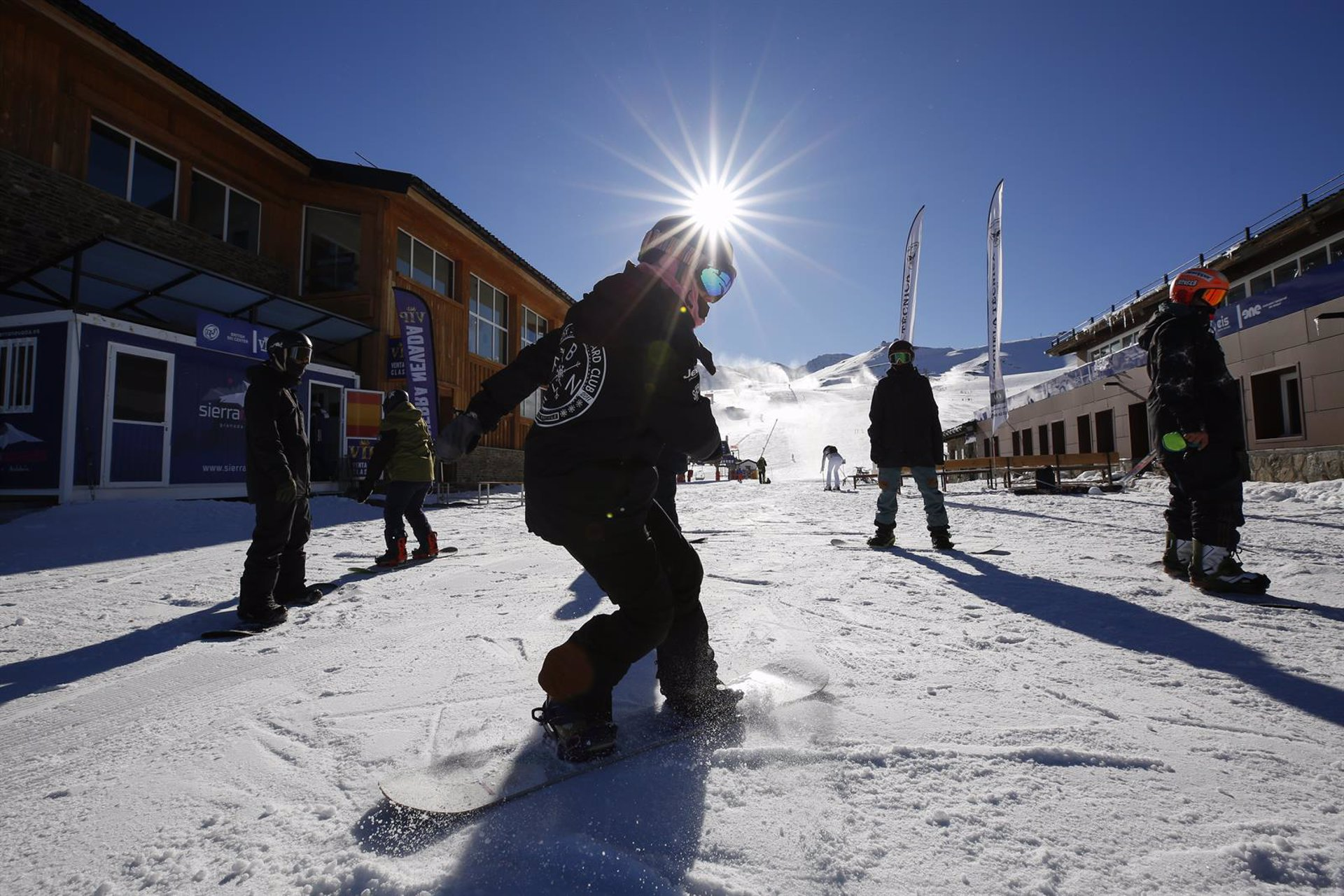 Sierra Nevada reduce desde el lunes su oferta a 20 kilómetros esquiables y presenta un ERTE