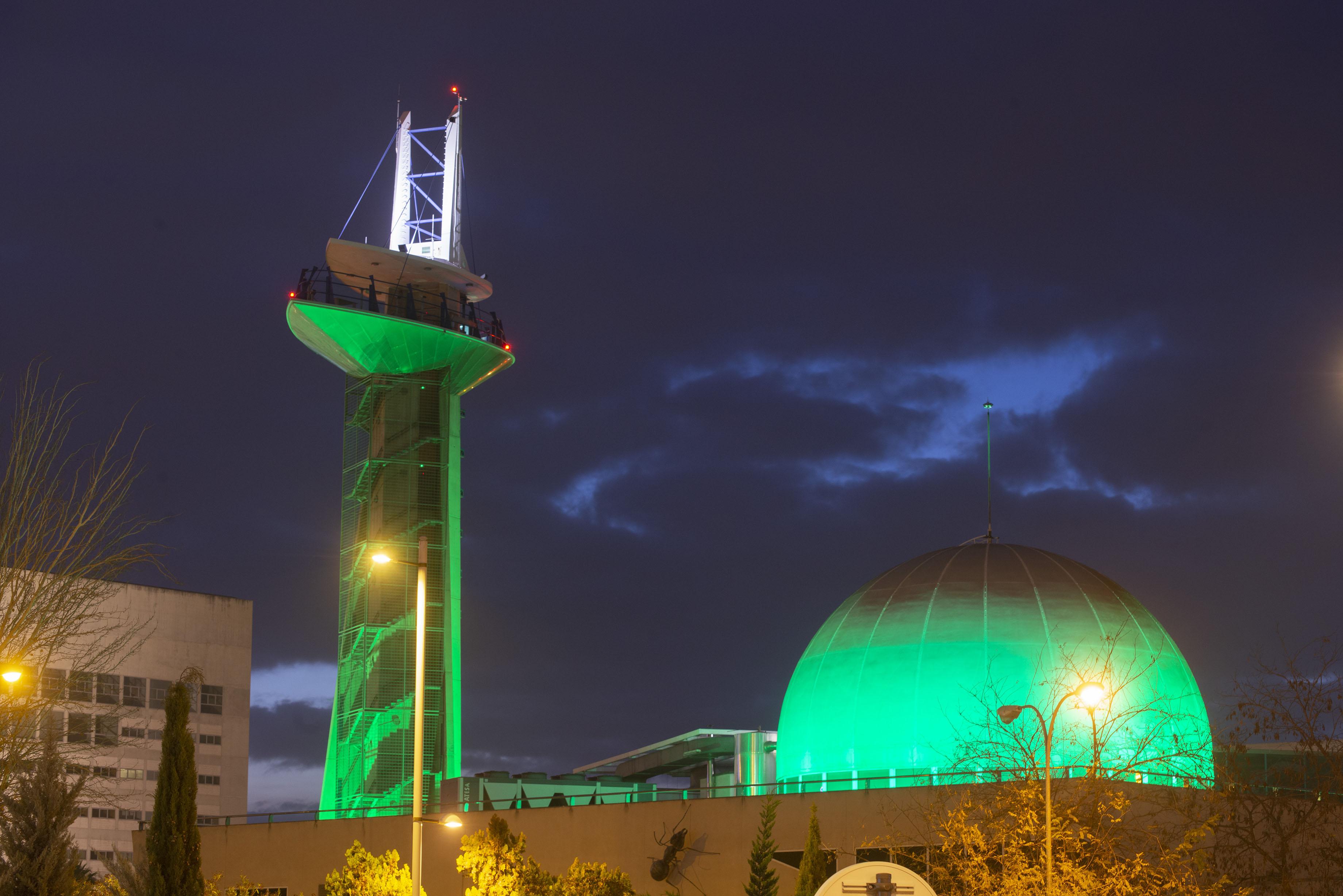 La Torre del Parque de las Ciencias se ilumina de verde para fomentar la salud y el bienestar