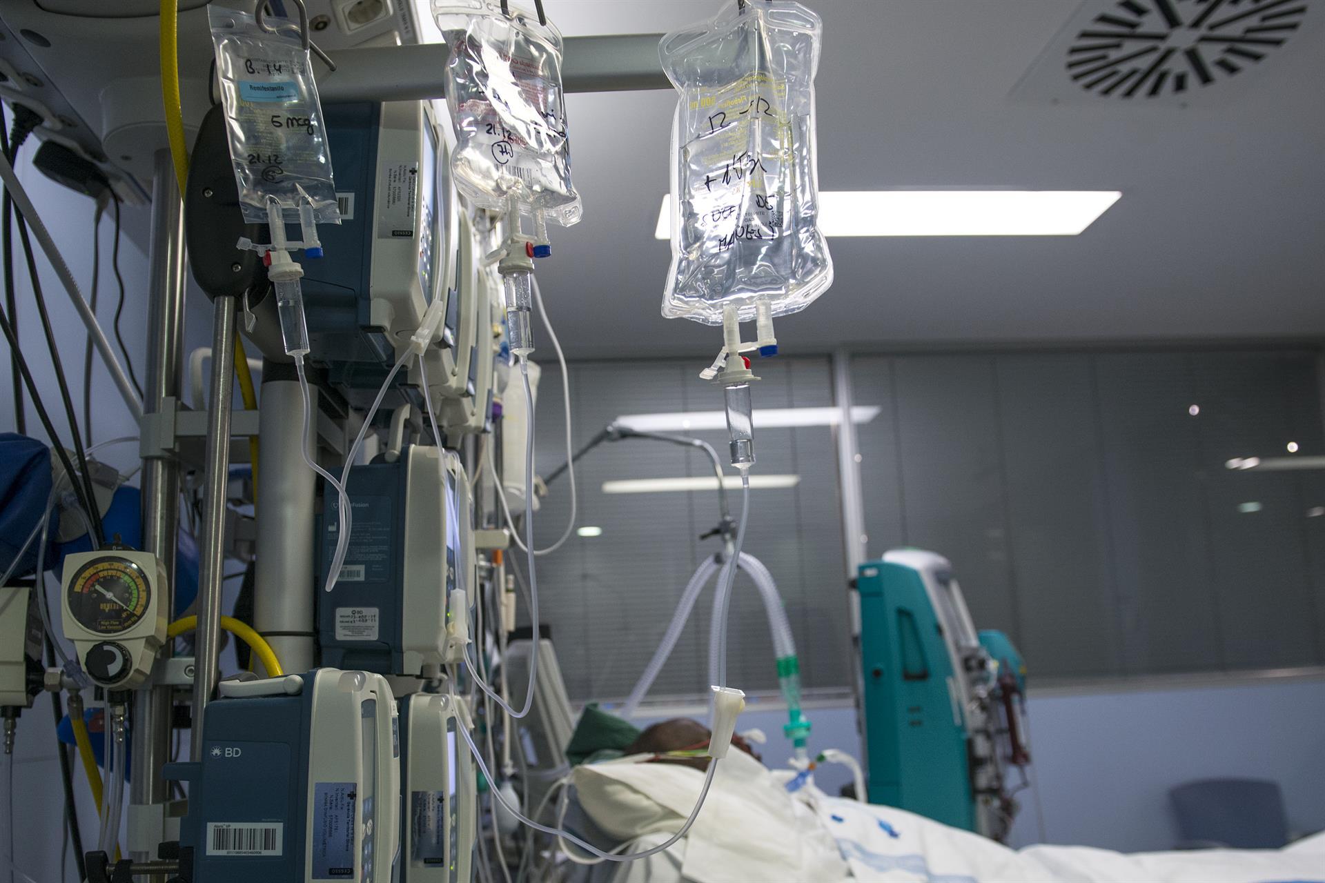 Andalucía supera en 44 hospitalizados el pico de noviembre con 3.522 ingresos
