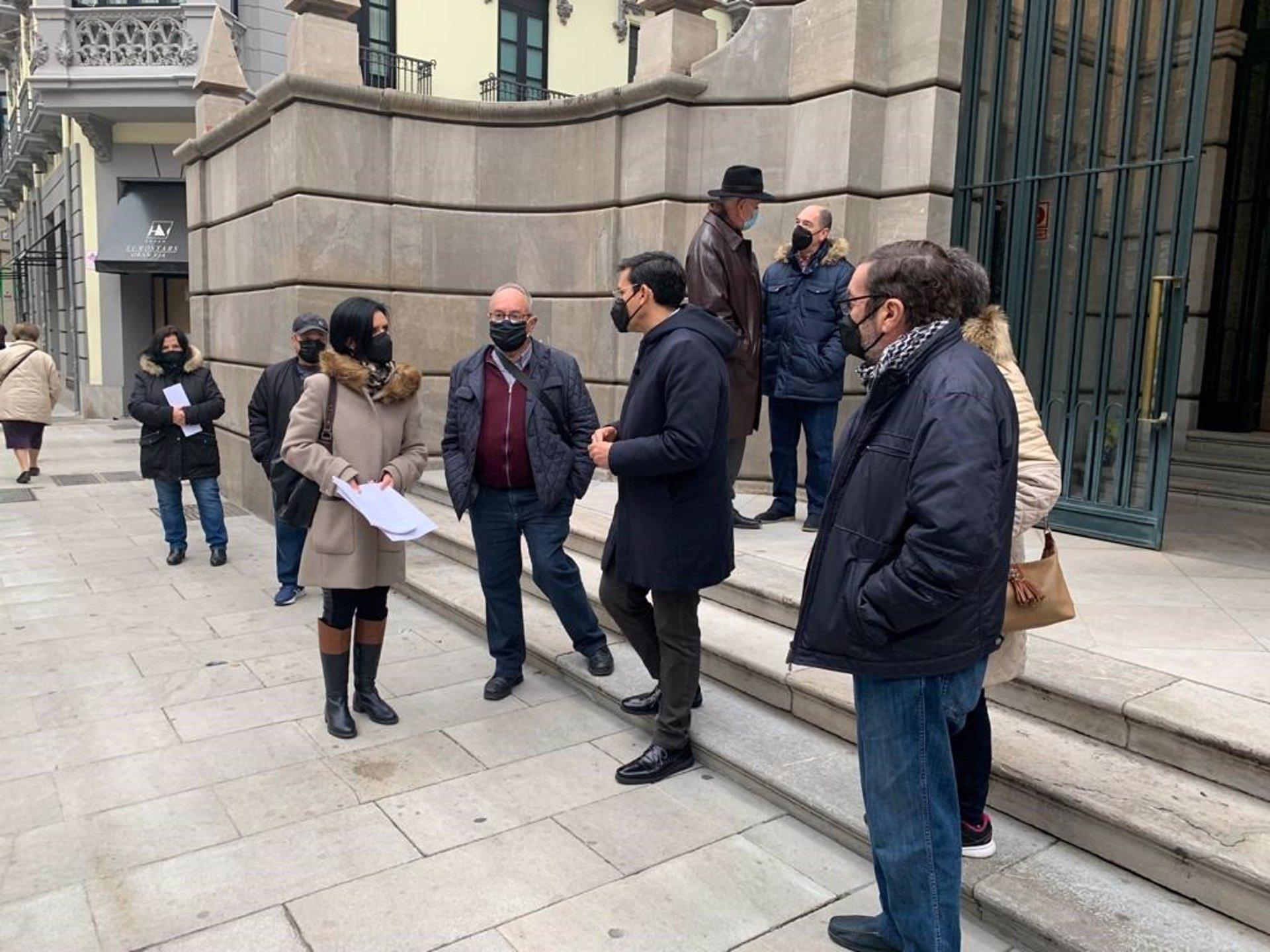 Unos 200 vecinos de Casería de Montijo denuncian ante la Fiscalía los cortes de luz en sus viviendas