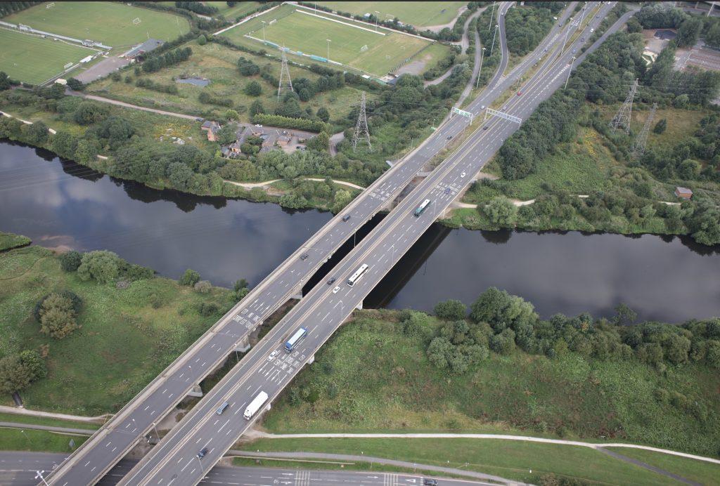 Científicos de la Escuela de Ingeniería de Edificación de la UGR y la empresa británica RSK monitorizan el puente Clifton de Nottingham