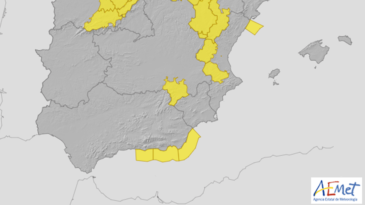 Activado el aviso amarillo en la costa de Granada este jueves por olas de hasta tres metros