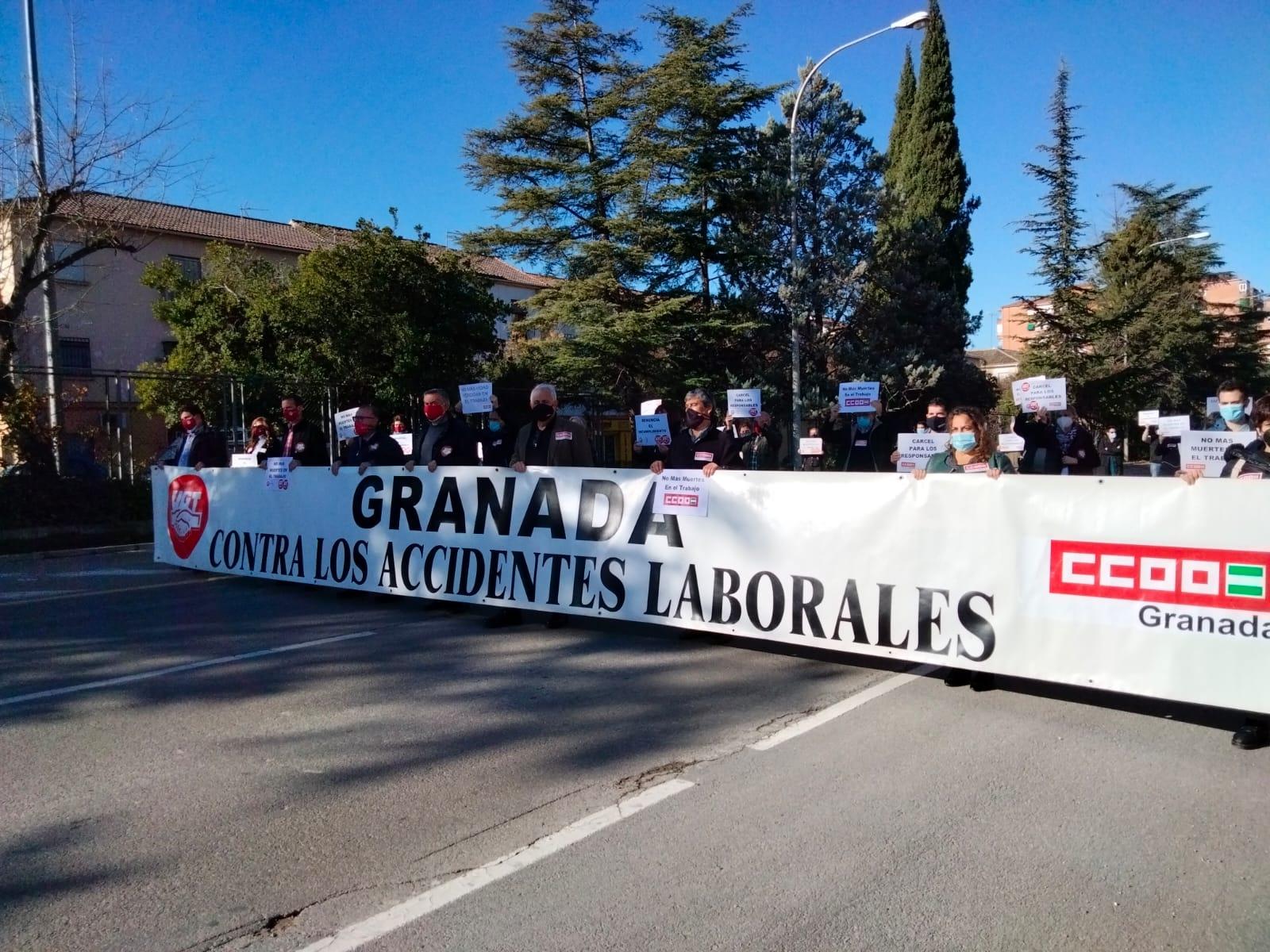 UGT y CCOO exigen más formación y seguridad laboral en el sector del campo tras el accidente de Torvizcón
