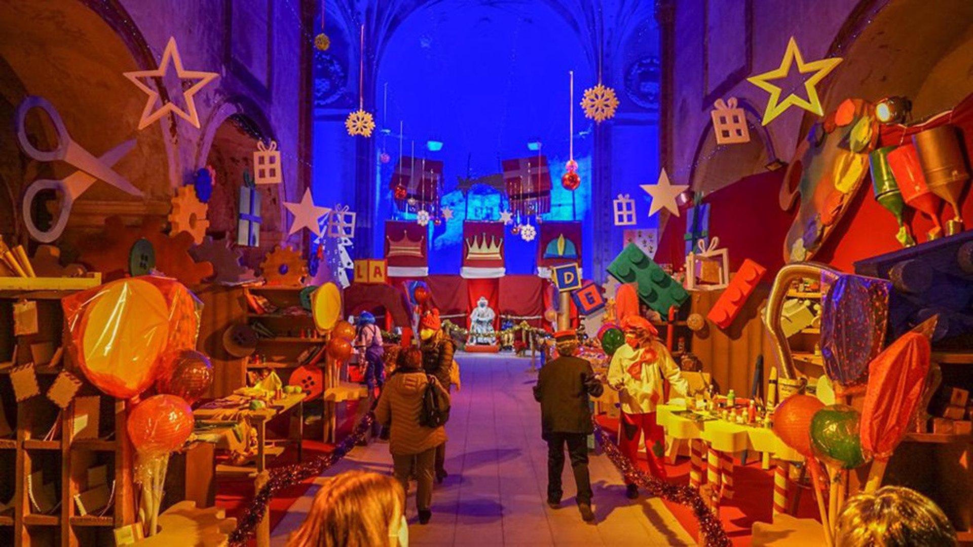Más de 3.000 personas visitan la Fábrica de Juguetes de los Reyes Magos en Baza
