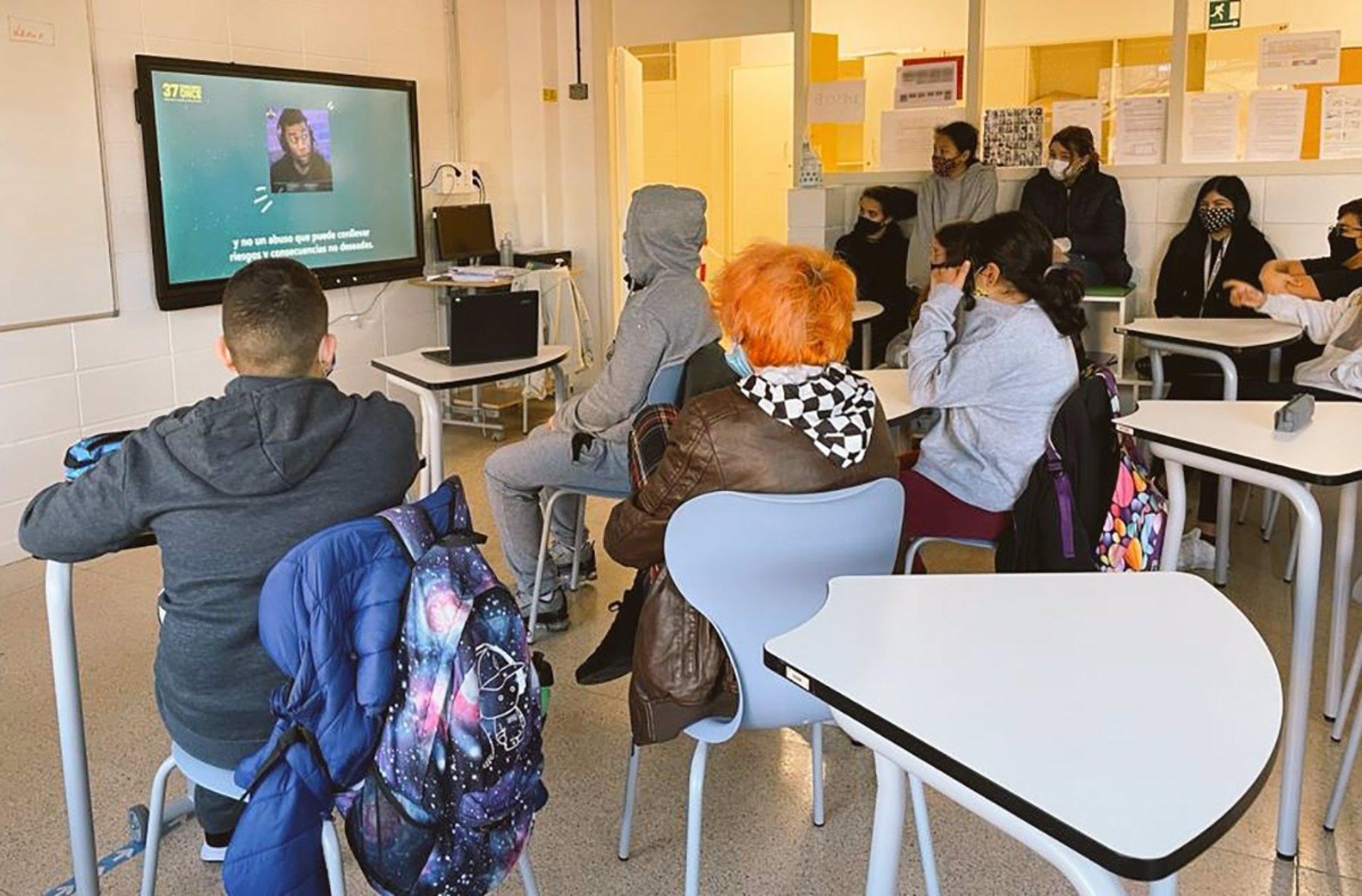 Estudiantes y profesorado trabajan en las adicciones generada por las nuevas tecnologías