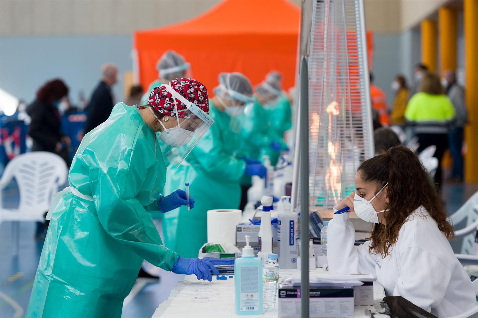 Nuevo récord de contagios en Andalucía con 7.899 casos en un día