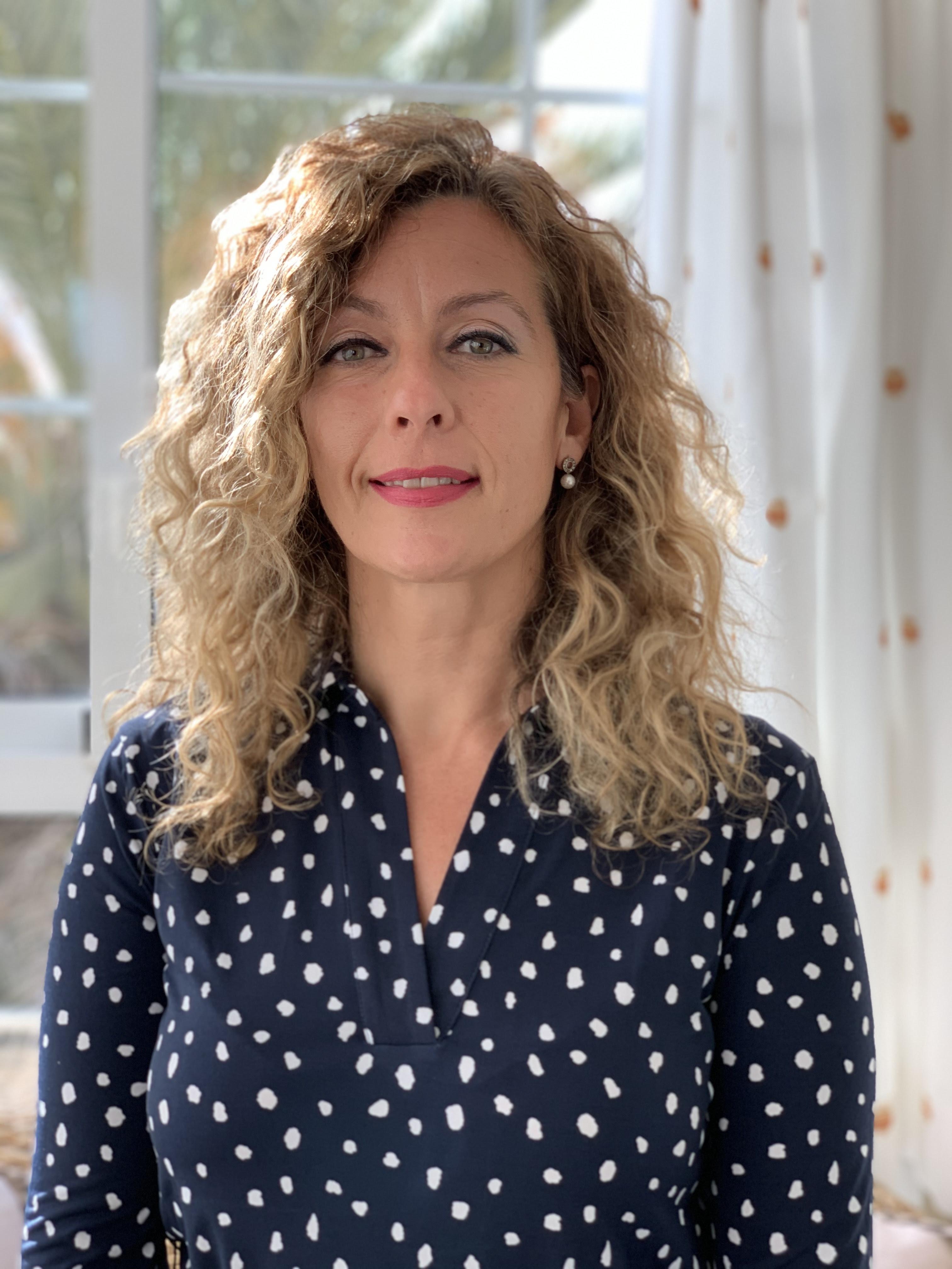 Lucía Herrera Torres toma posesión como decana de la Facultad de Ciencias de la Educación y del Deporte de Melilla