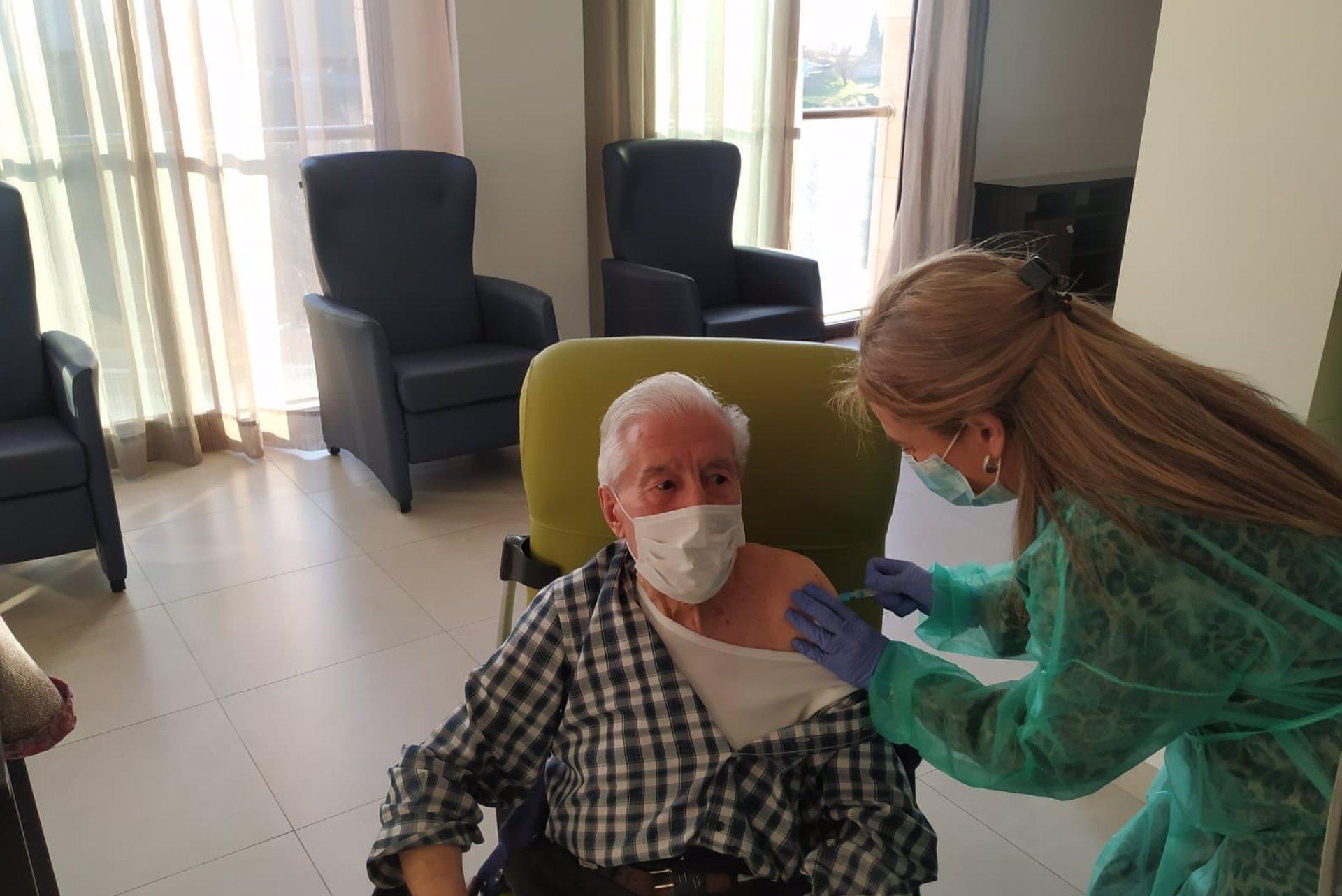 Comienza la administración de la segunda dosis de la vacuna en la residencia Fray Leopoldo
