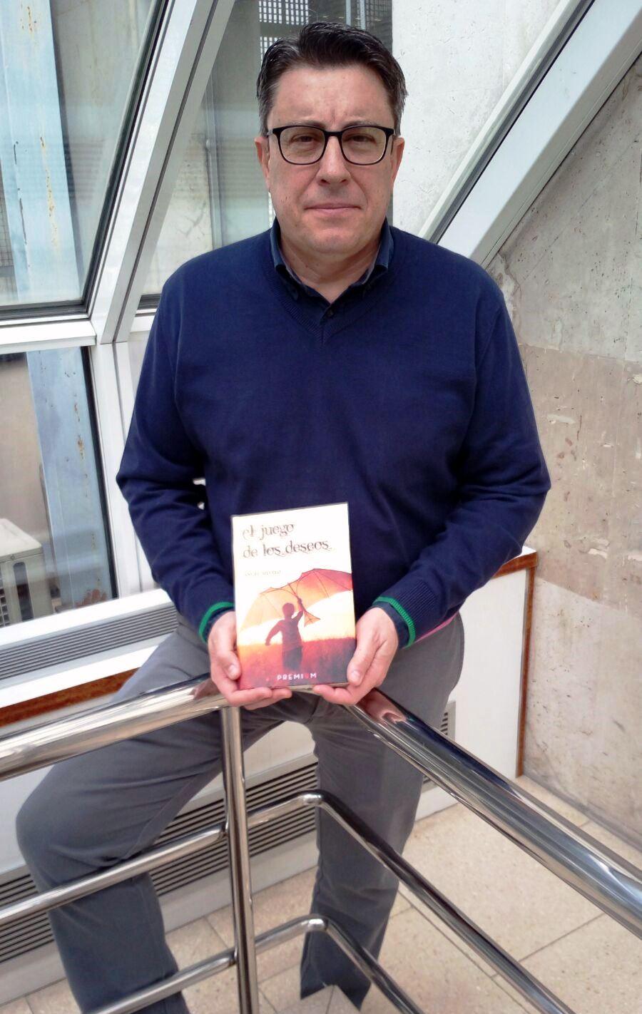 Ángel Silvelo Gabriel gana el XIV Certamen Literario Domingo Puente Marín