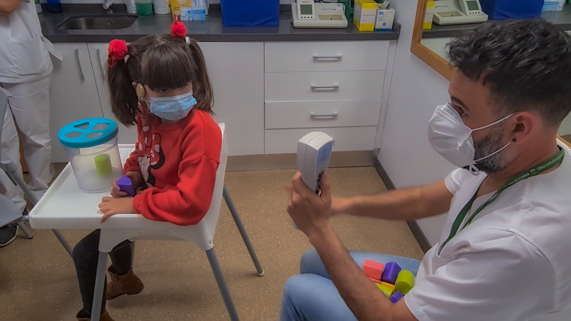 El Clínico alcanza las 1.400 personas con implante coclear tras realizar 54 intervenciones en 2020