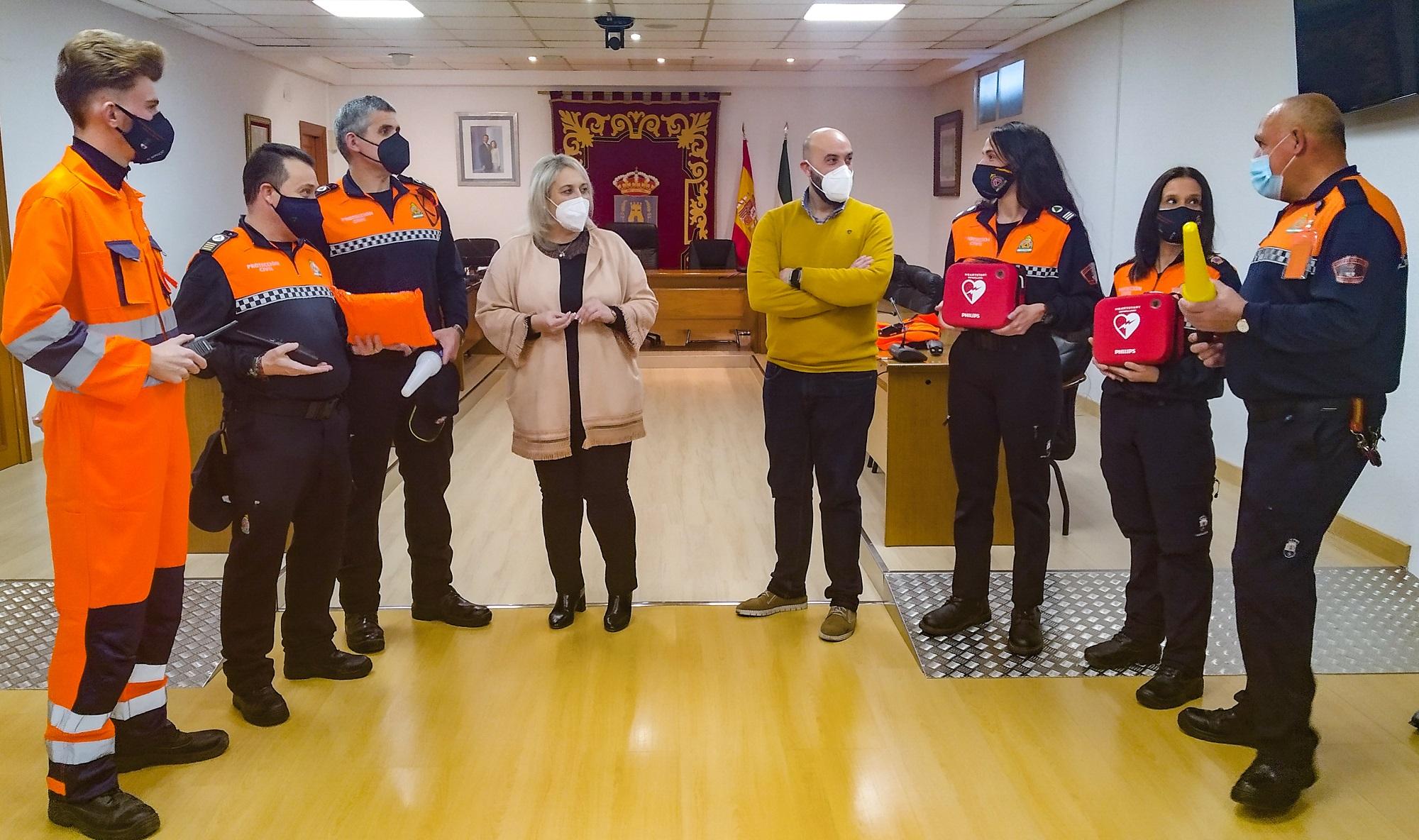 Las Gabias renueva el equipamiento de Protección Civil con dos desfibriladores y material para actuar frente a posibles inundaciones