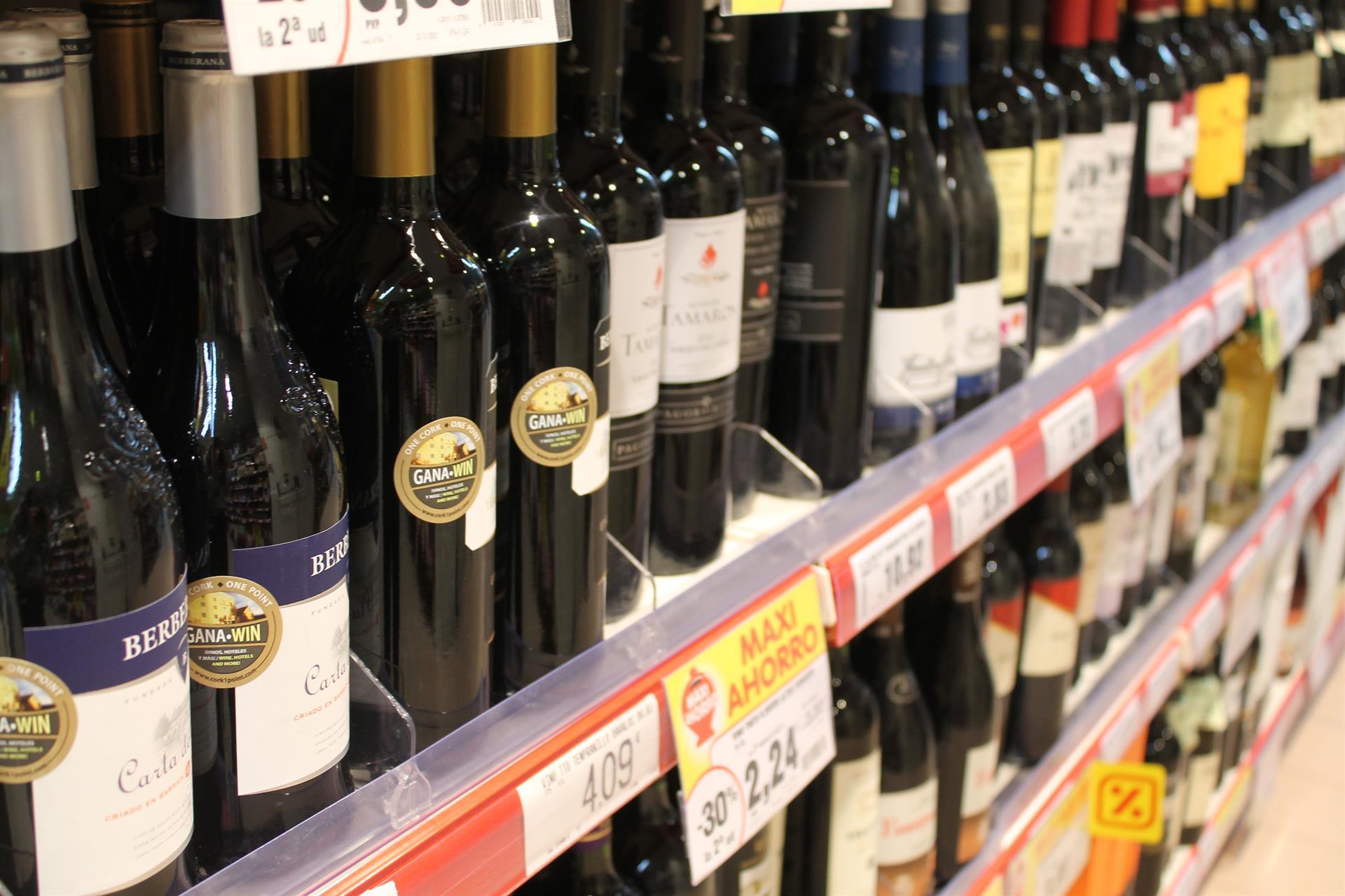 Andalucía prohíbe desde este sábado la venta desde las 18 horas de bebidas espirituosas de más de 21 grados