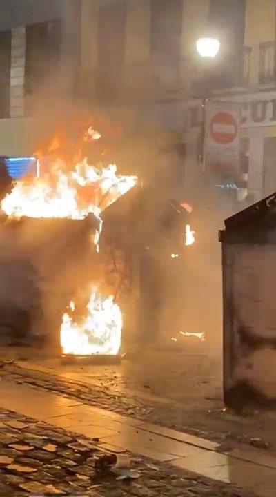 Las protestas por Pablo Hasel dejan 25 contenedores quemados valorados en 30.000 euros