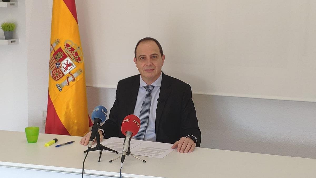 Ocaña (VOX) urge a la Junta a elaborar un plan de viabilidad para la supervivencia del comercio de Granada